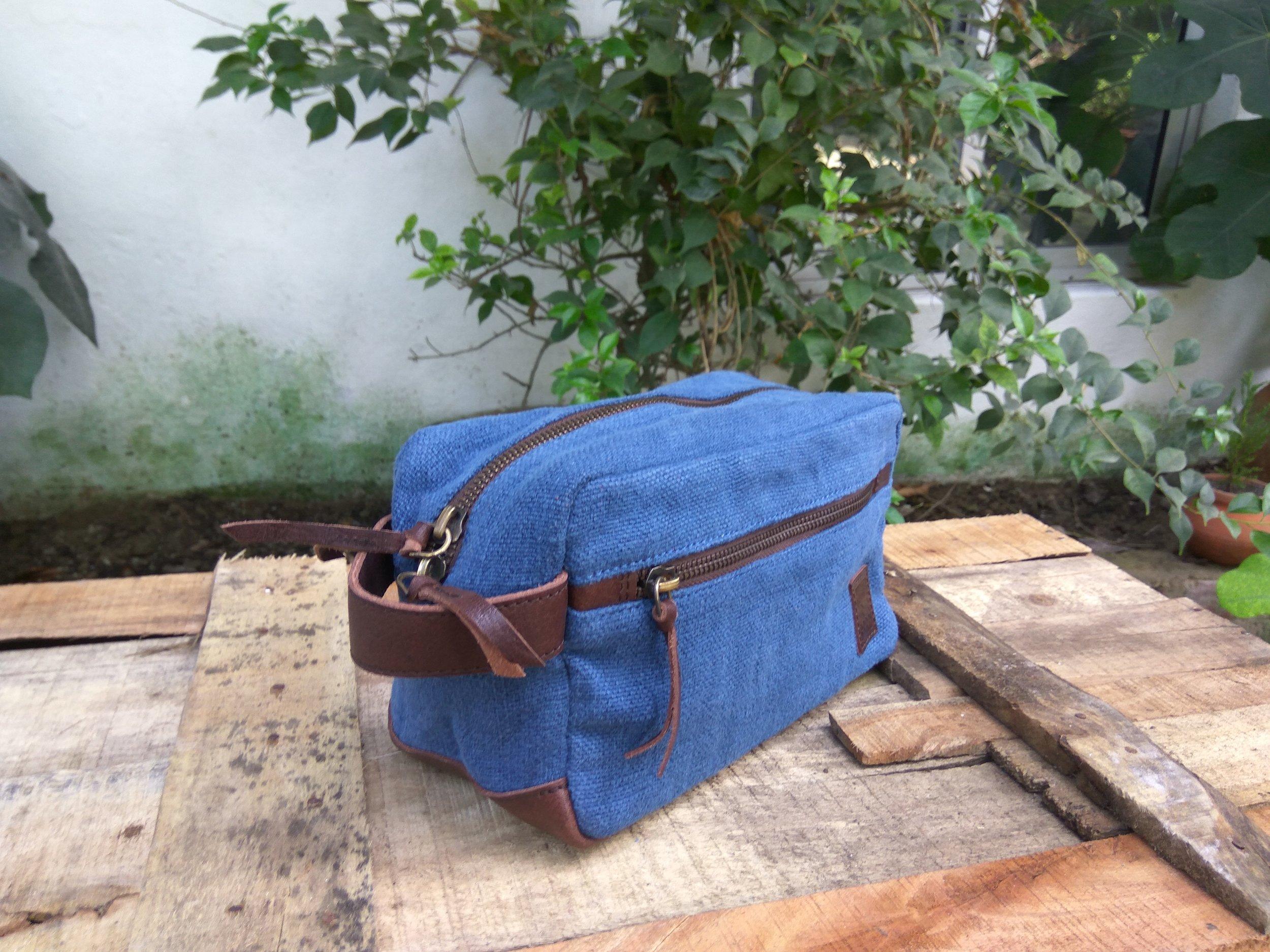 Toilet Bag Midnight Blue.jpg