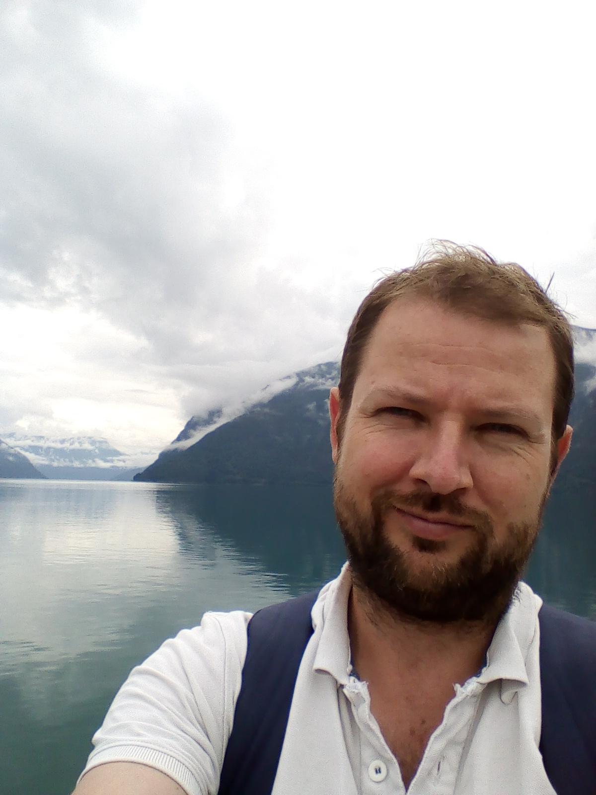 Andrew Thomas, HiØ