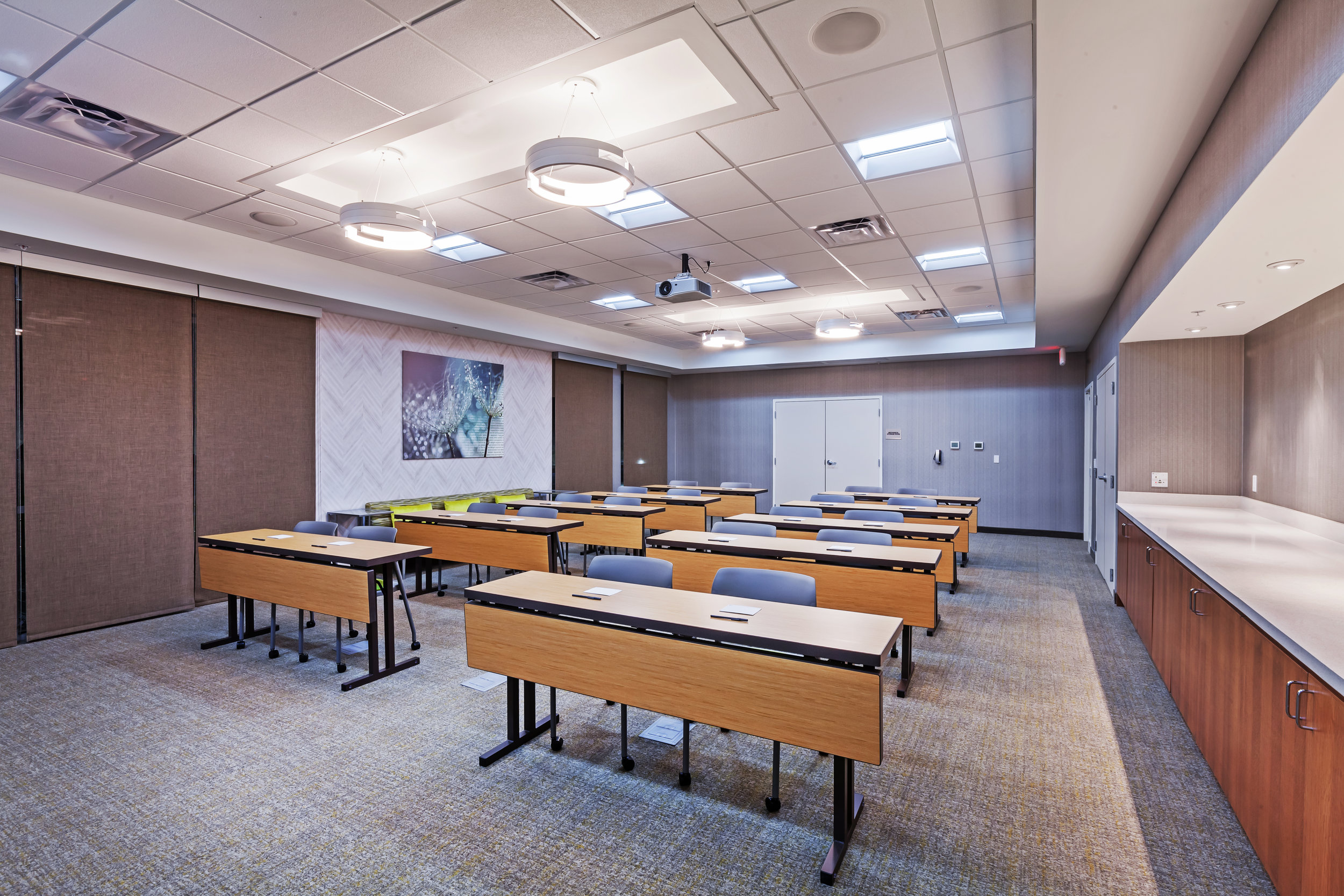 SPRINGHILL SUITES TULSA HILLS OK-MEETING-ROOM-002.jpg