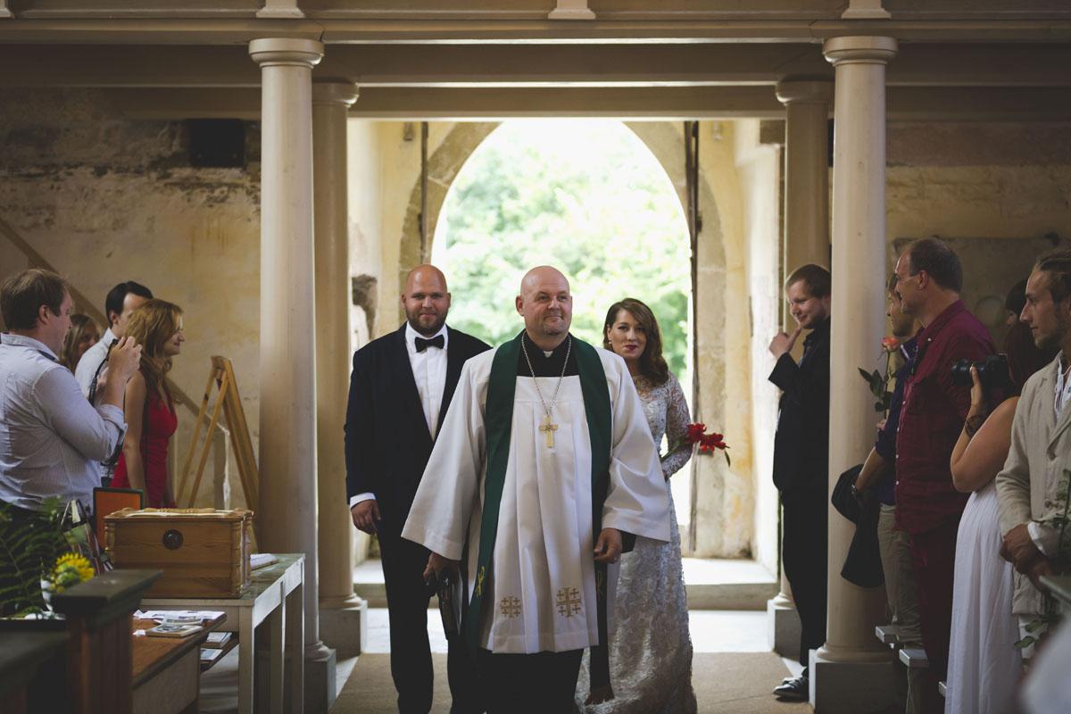 wedding-photos-037-diy-wedding.jpg