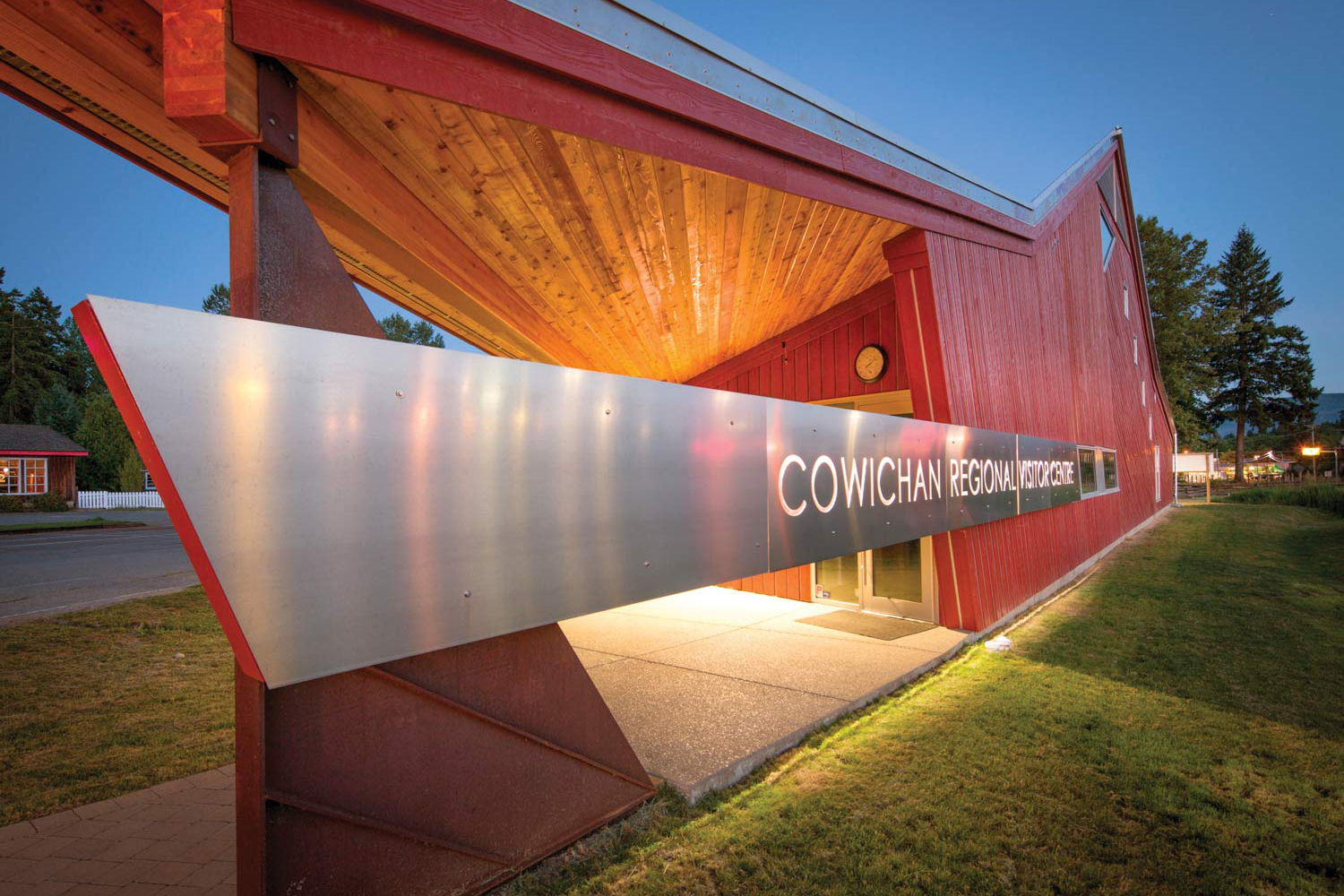 cowichan-visitor-centre-cohlmeyer-architecture-2.jpg