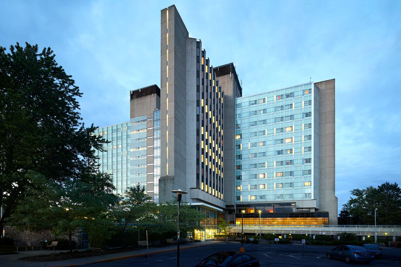 ….Ste-Anne-de-Bellevue Hospital..Hôpital de Ste-Anne-de-Bellevue….