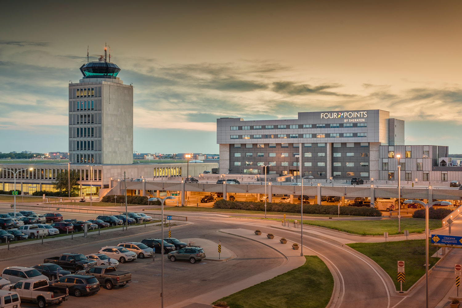 cohlmeyer-winnipeg-architecture-airport.jpg