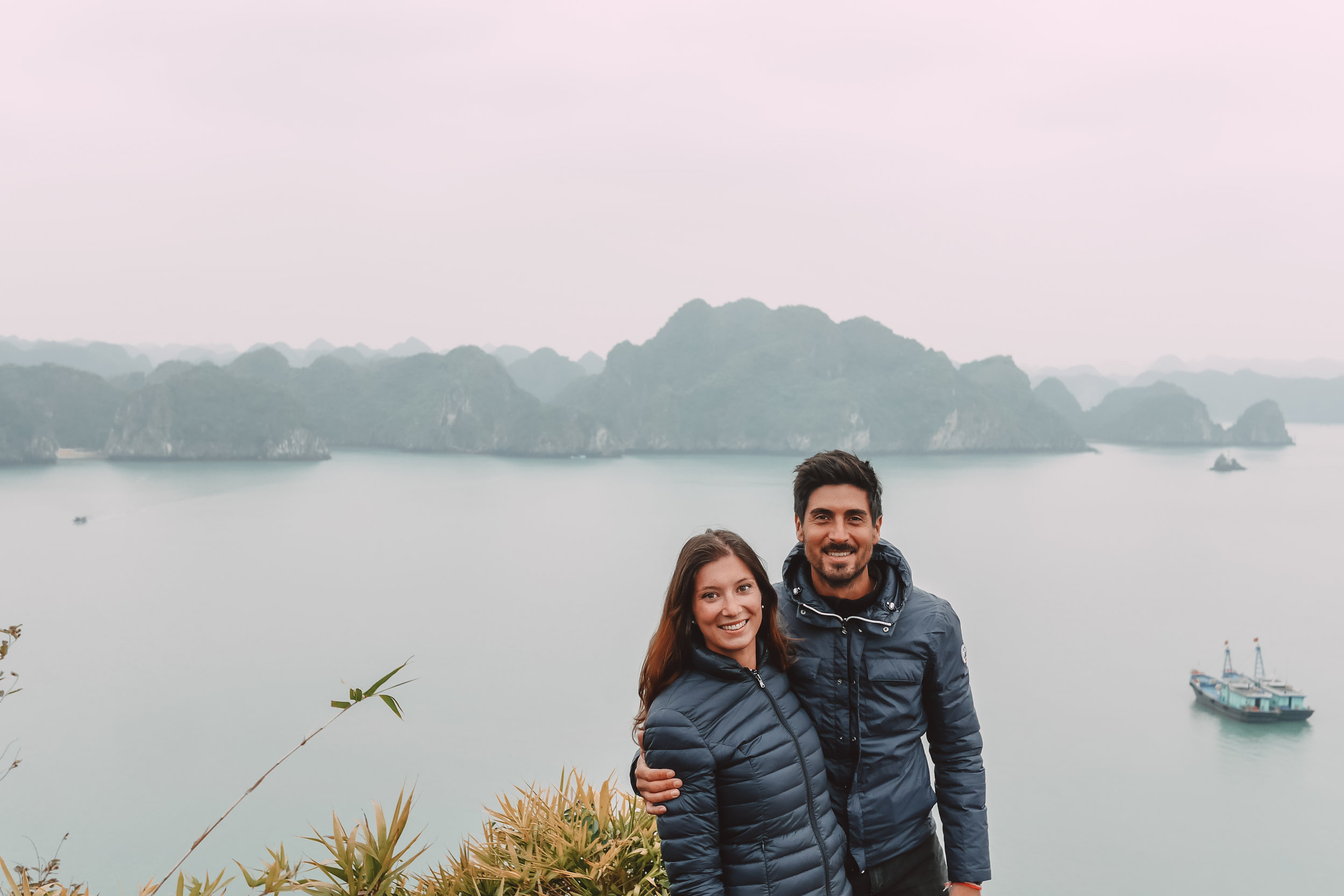 comment-visiter-halong-bay-the-cheerfulist.jpg