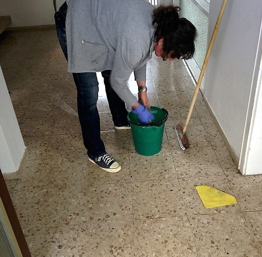 cleaning-lady-258520_640-539x530.jpg
