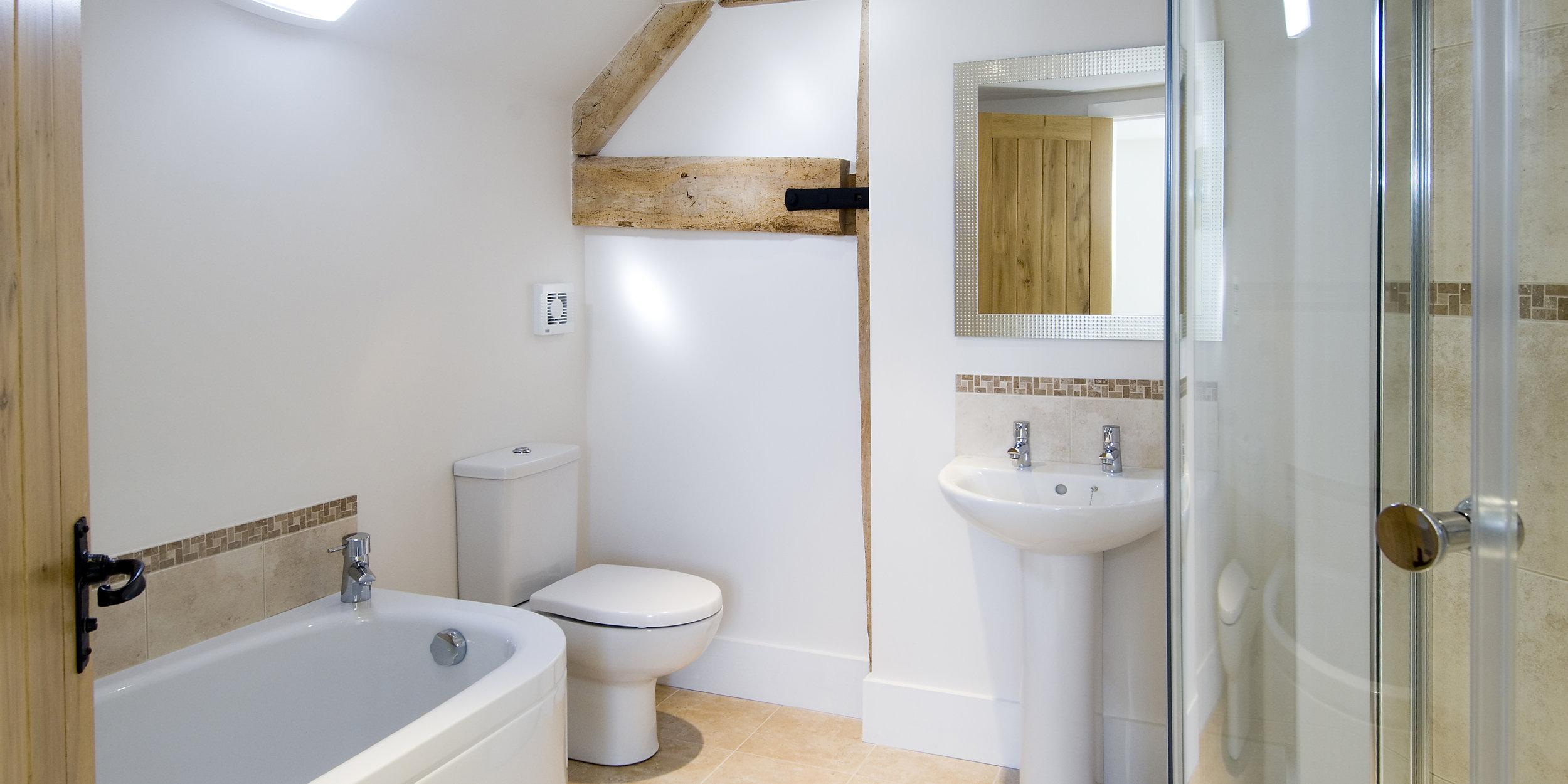 Bathroom in South Barn, Tredington, Gloucestershire