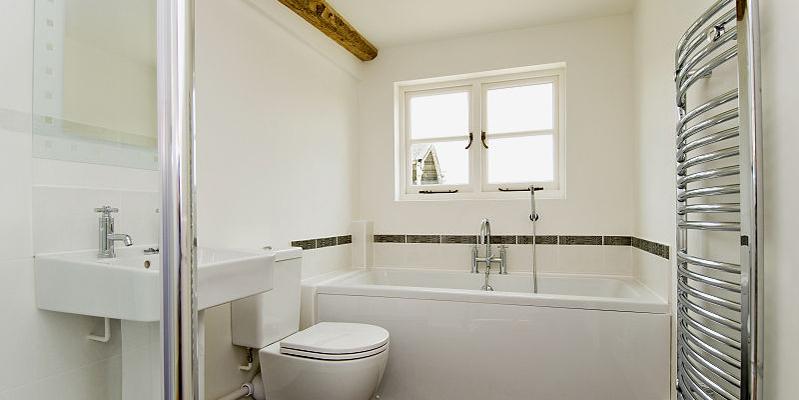 Bathroom in North Barn, Tredington, Gloucestershire