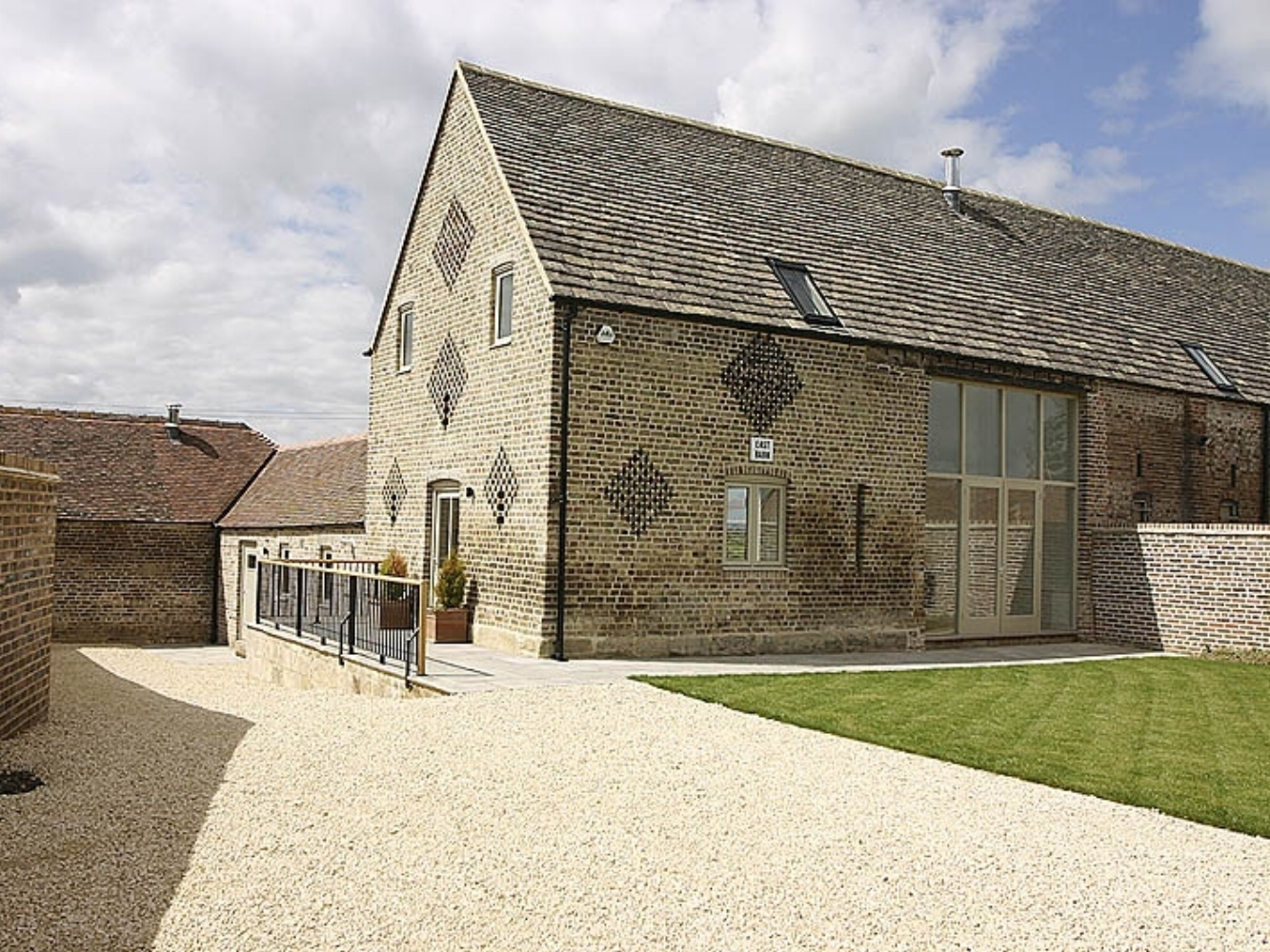 Barn conversion – East Barn, Little Haresfield – Gloucestershire