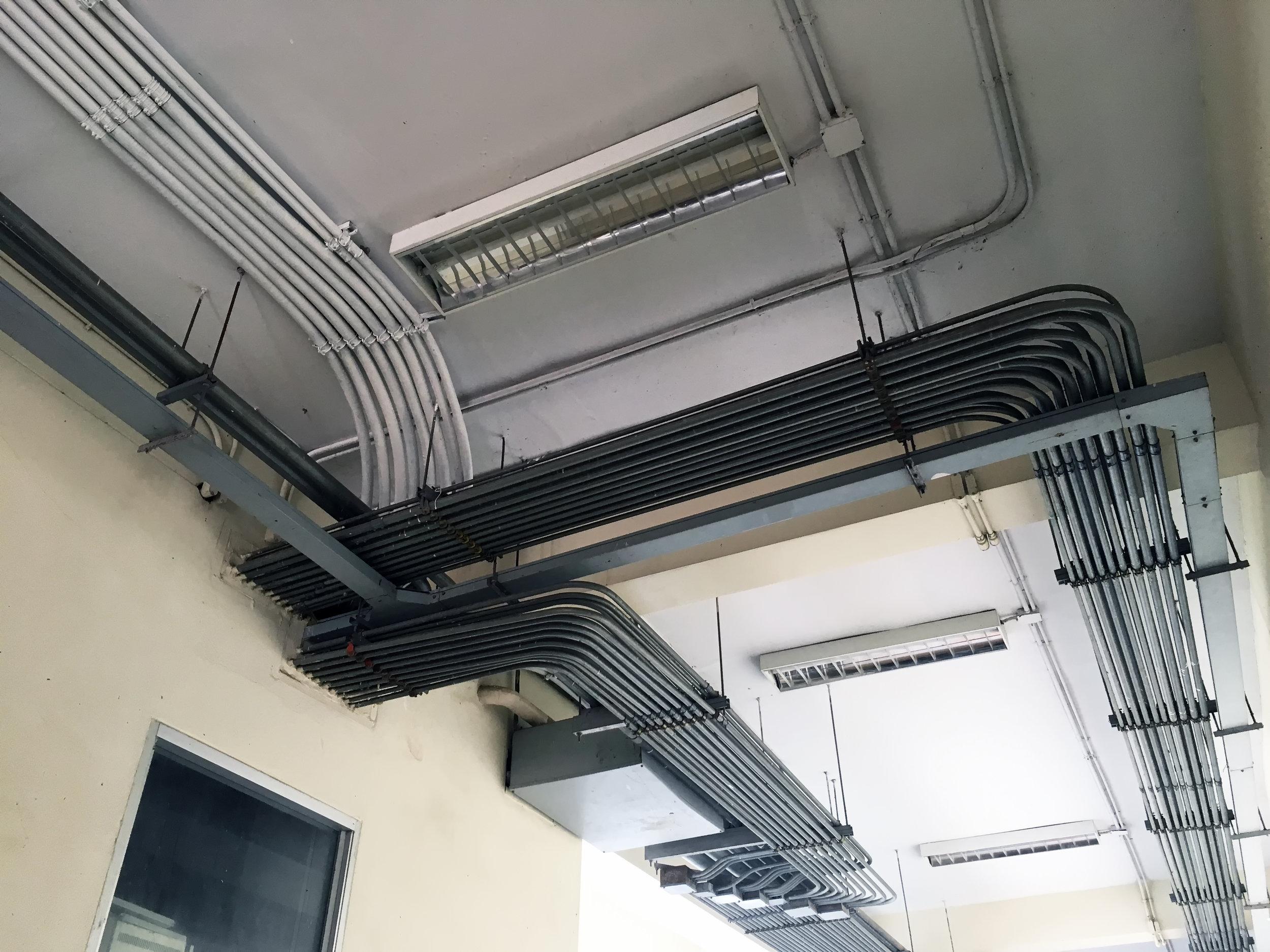 Instalações elétricas, hidrossanitárias e incêndio. -