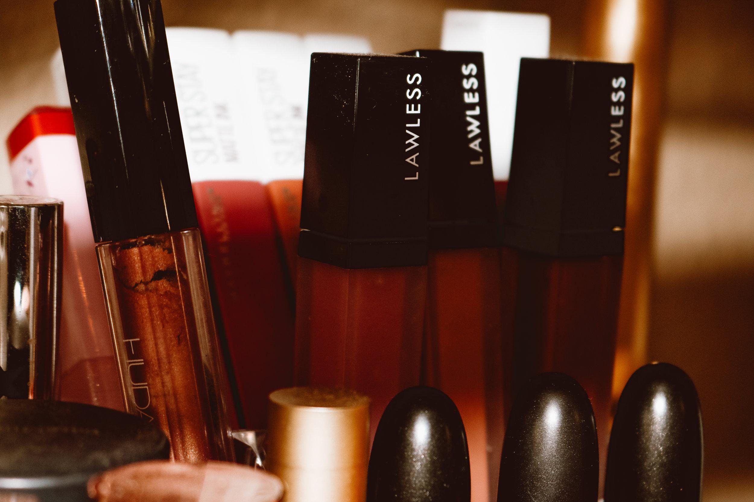 lawless-lipstick-swatches-4.jpg