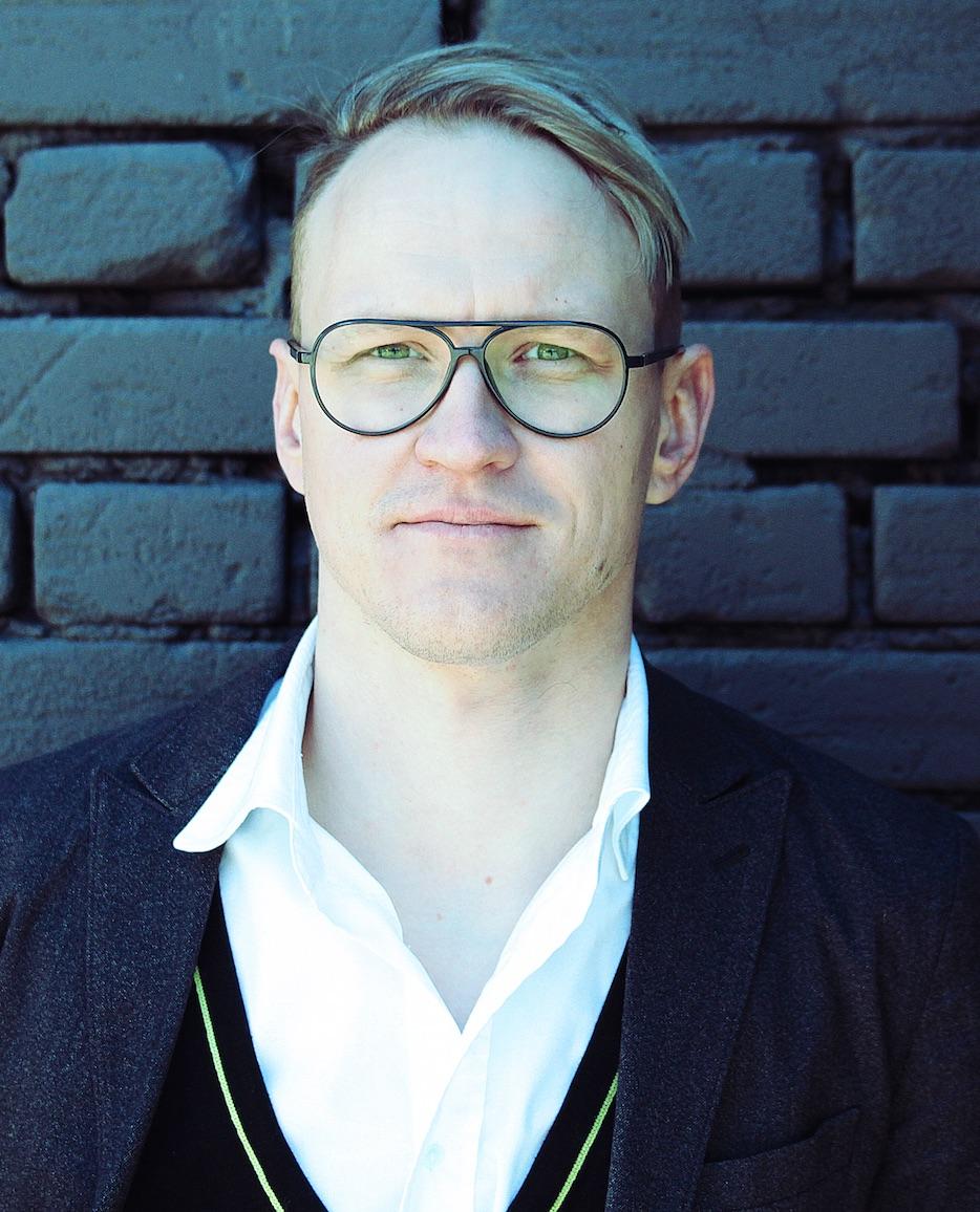 Sten-Kristian Saluveer   Founder & CEO,Storytek Creative Hub