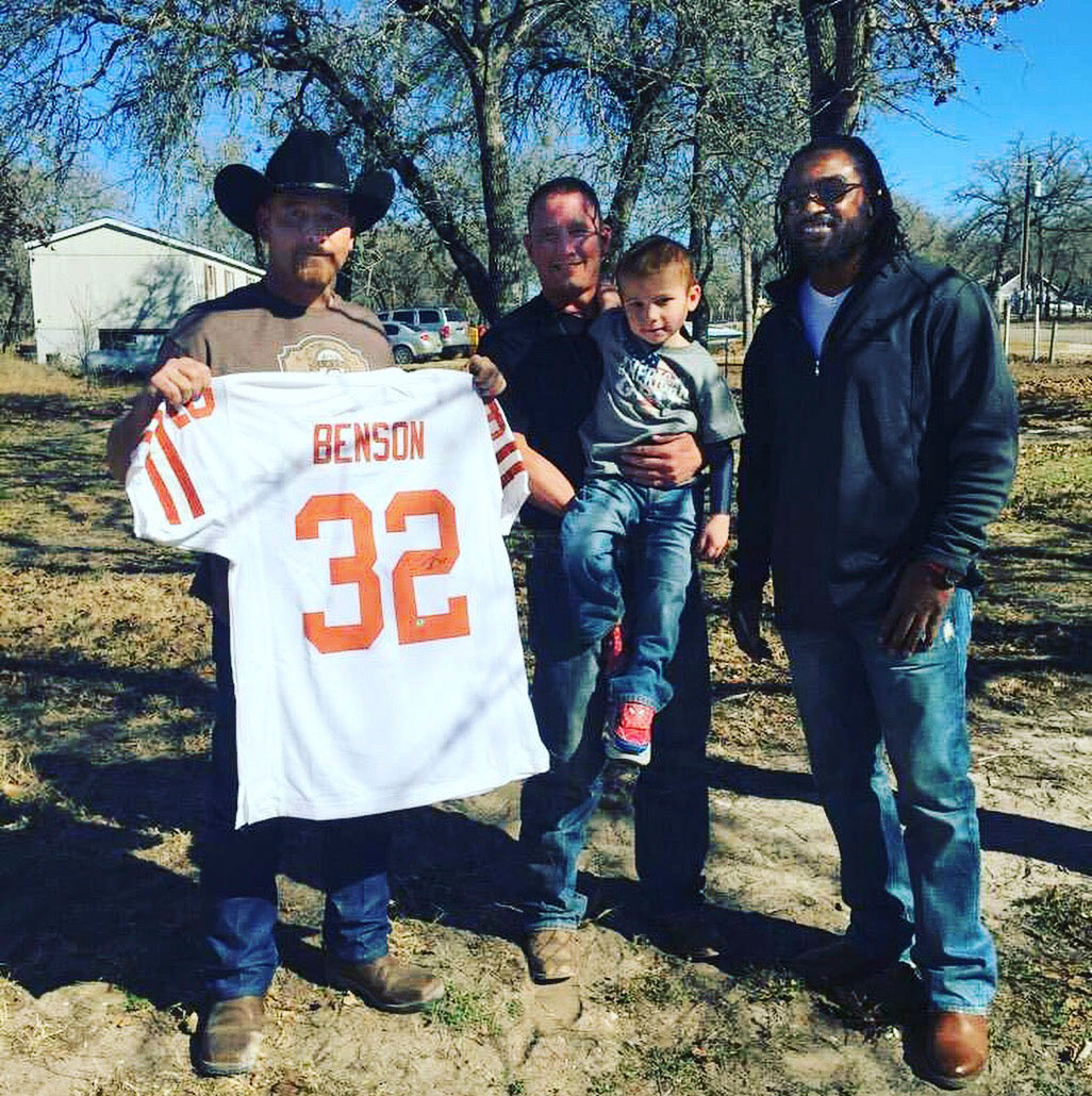 Cedric Benson visits Ryland Ward and family during recovery.