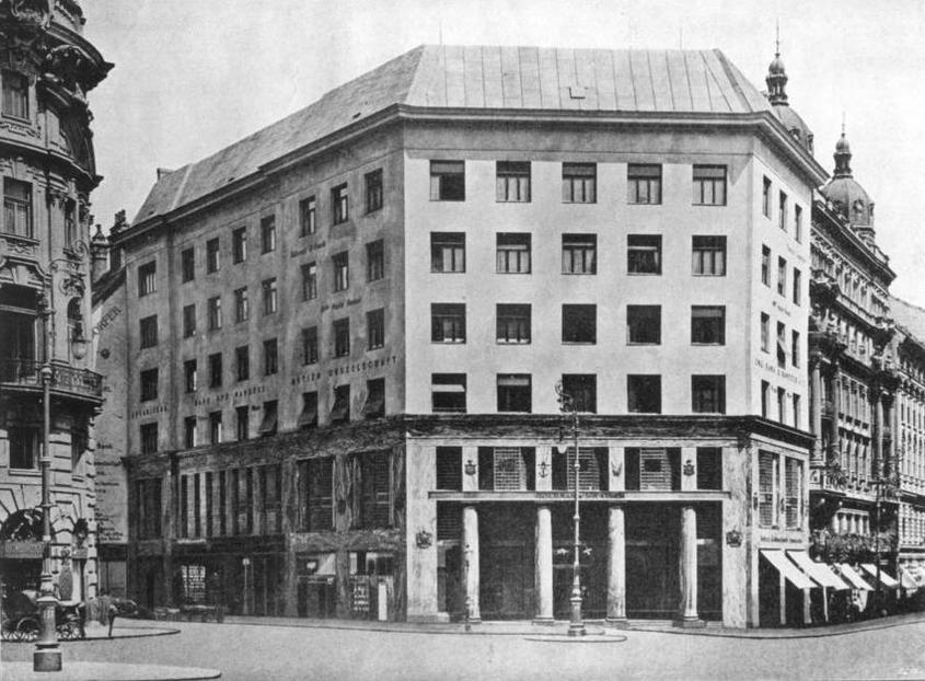 Adolf Loos, Building on Michaelerplatz, Vienna, Austria, 1909-1911