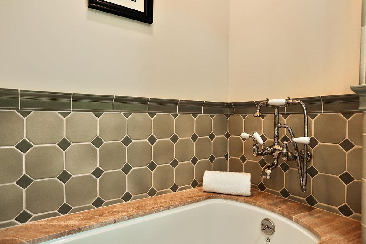 masterbathroom 2.jpg