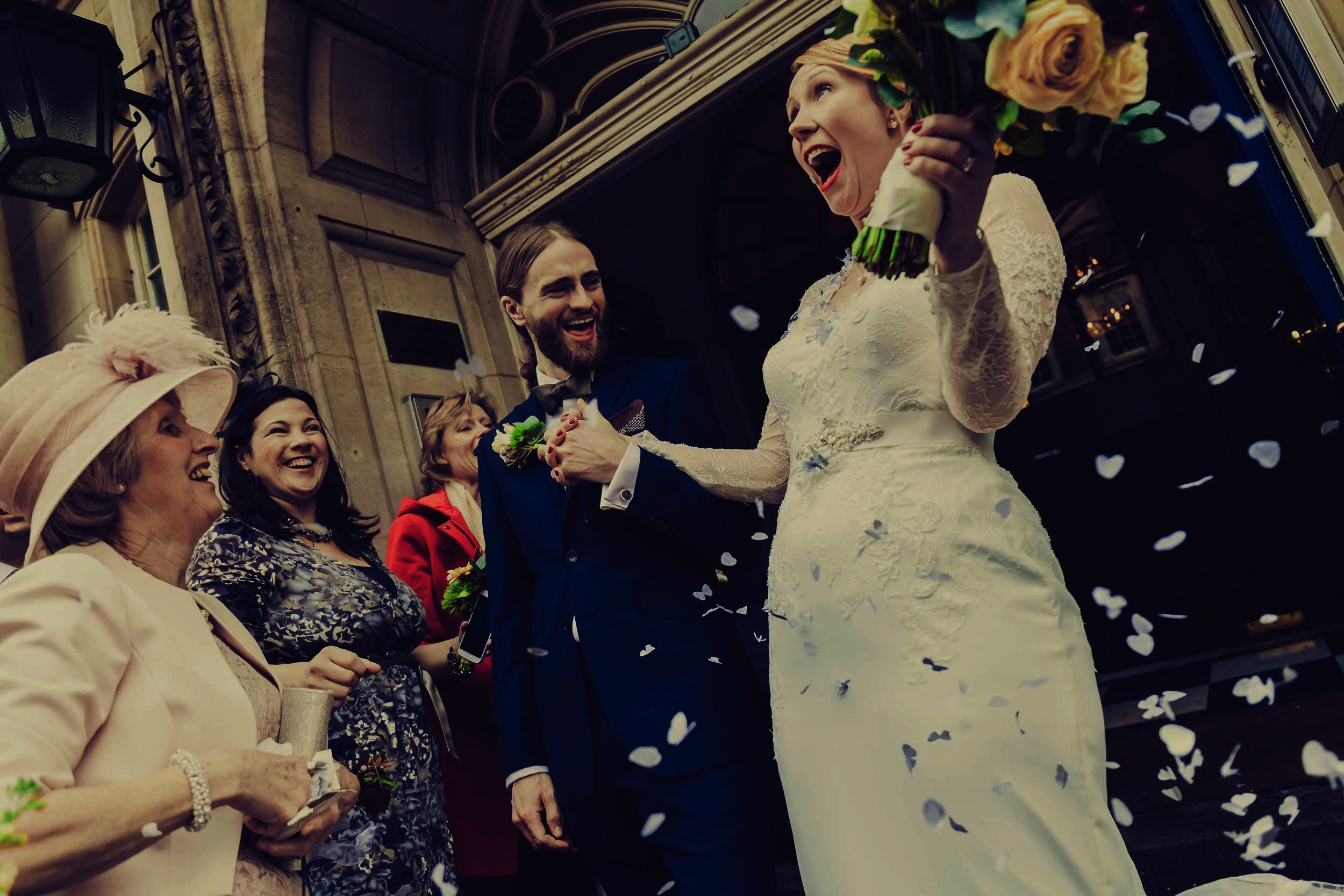 Affordable - Wedding photography prices well under £1,000 / lower fees for weekdays and Sundays / substantial off-season discount