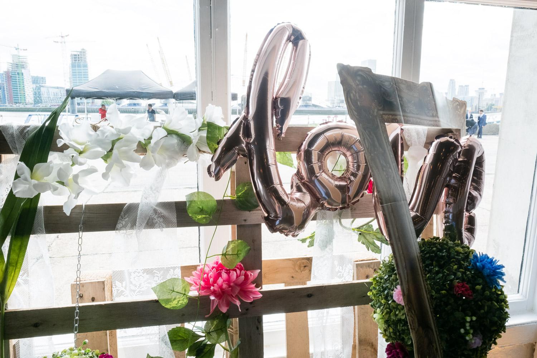 trinity-buoy-wharf-poplar-tower-hamlets-wedding-0008.jpg