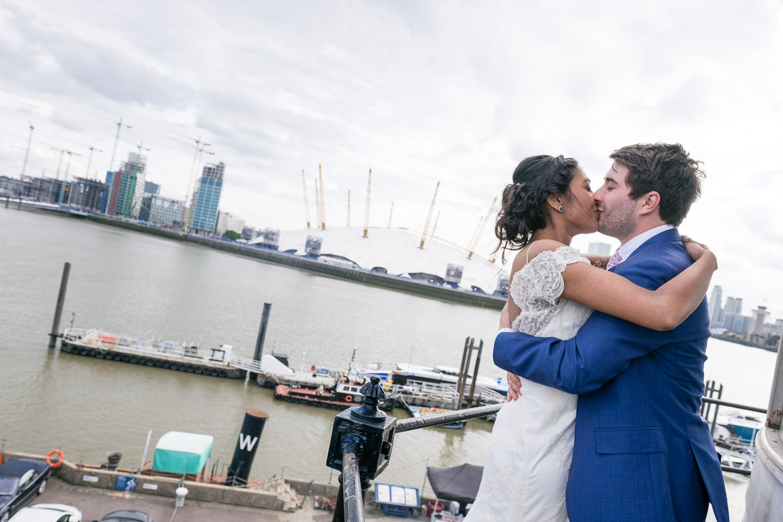 trinity-buoy-wharf-poplar-tower-hamlets-wedding-0255.jpg