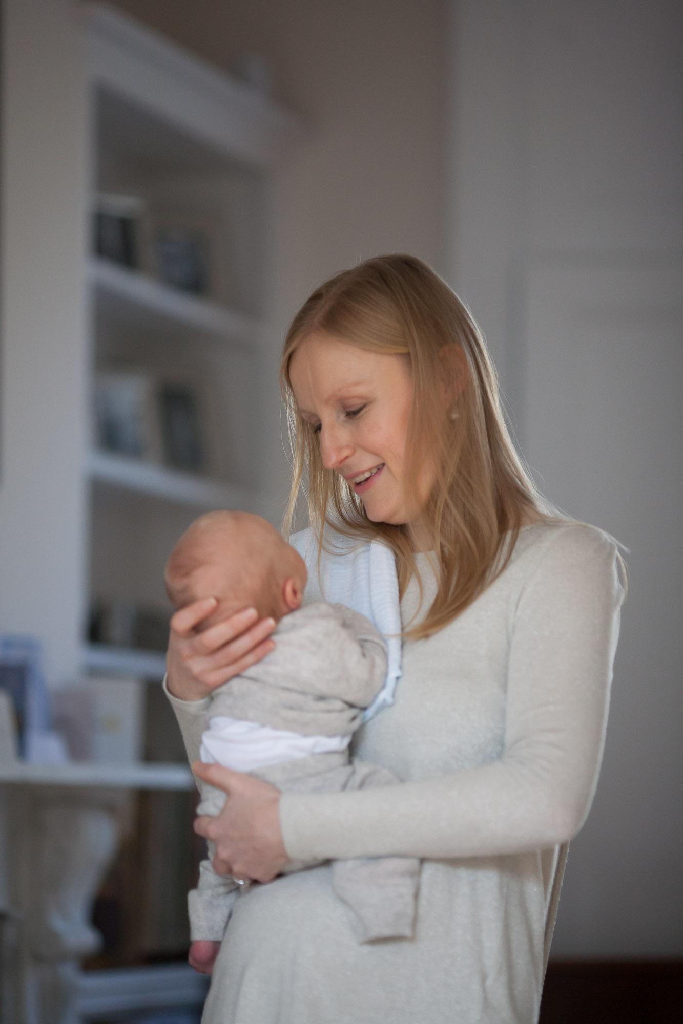 family-portrait-baby-photographer-003.jpg
