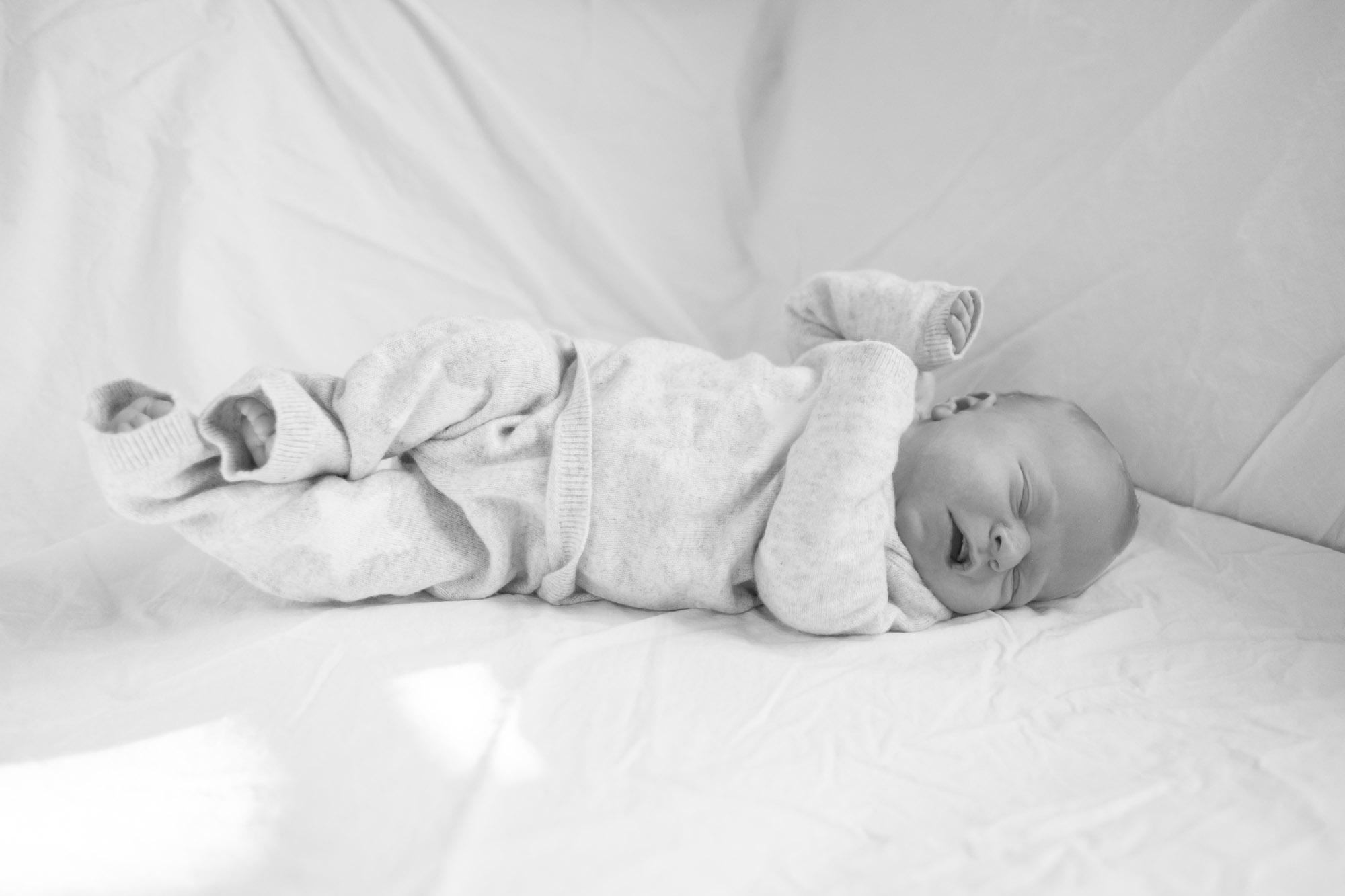 newborn-baby-family-portrait-photographer-082.jpg