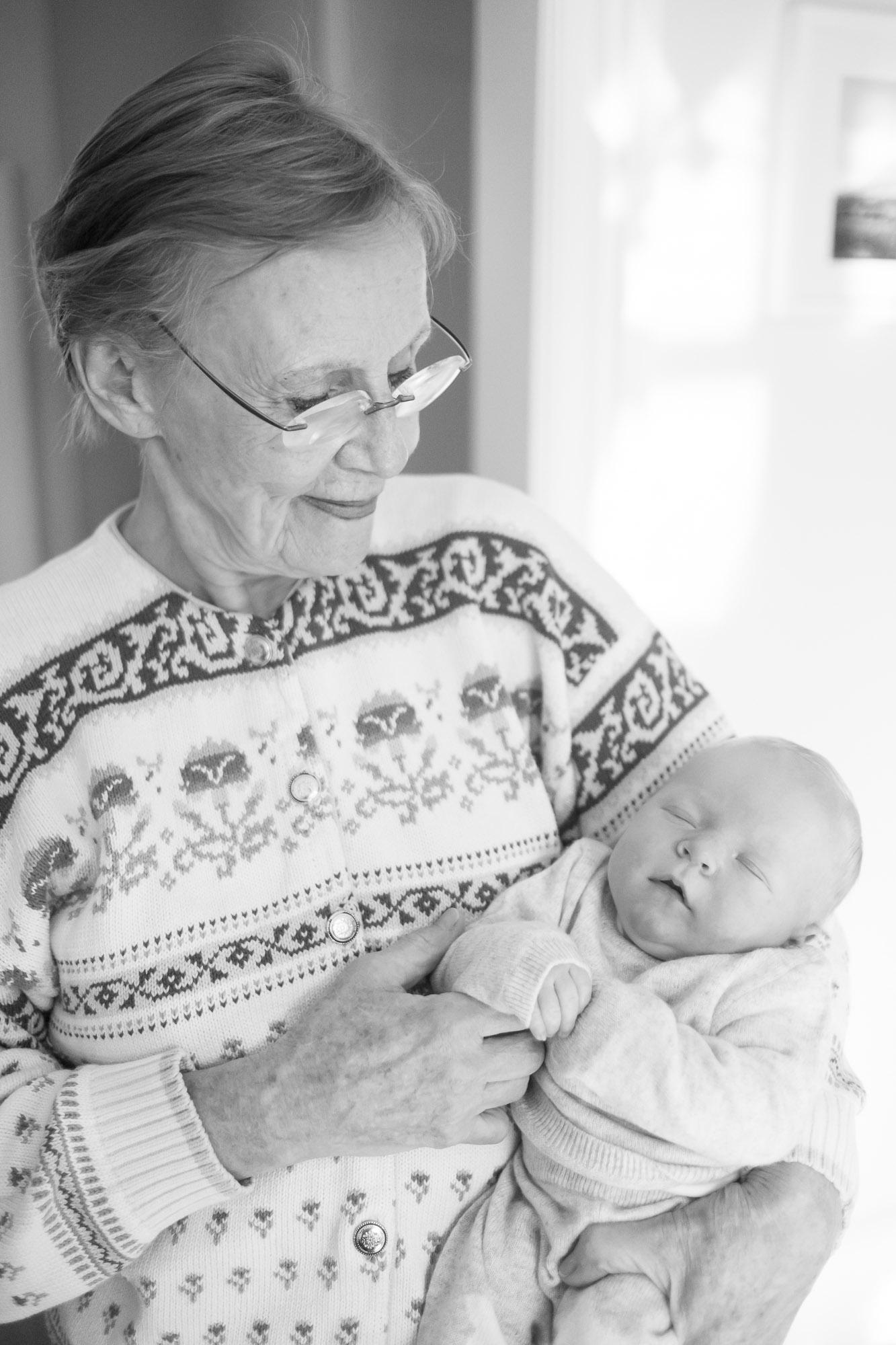 newborn-baby-family-portrait-photographer-097.jpg