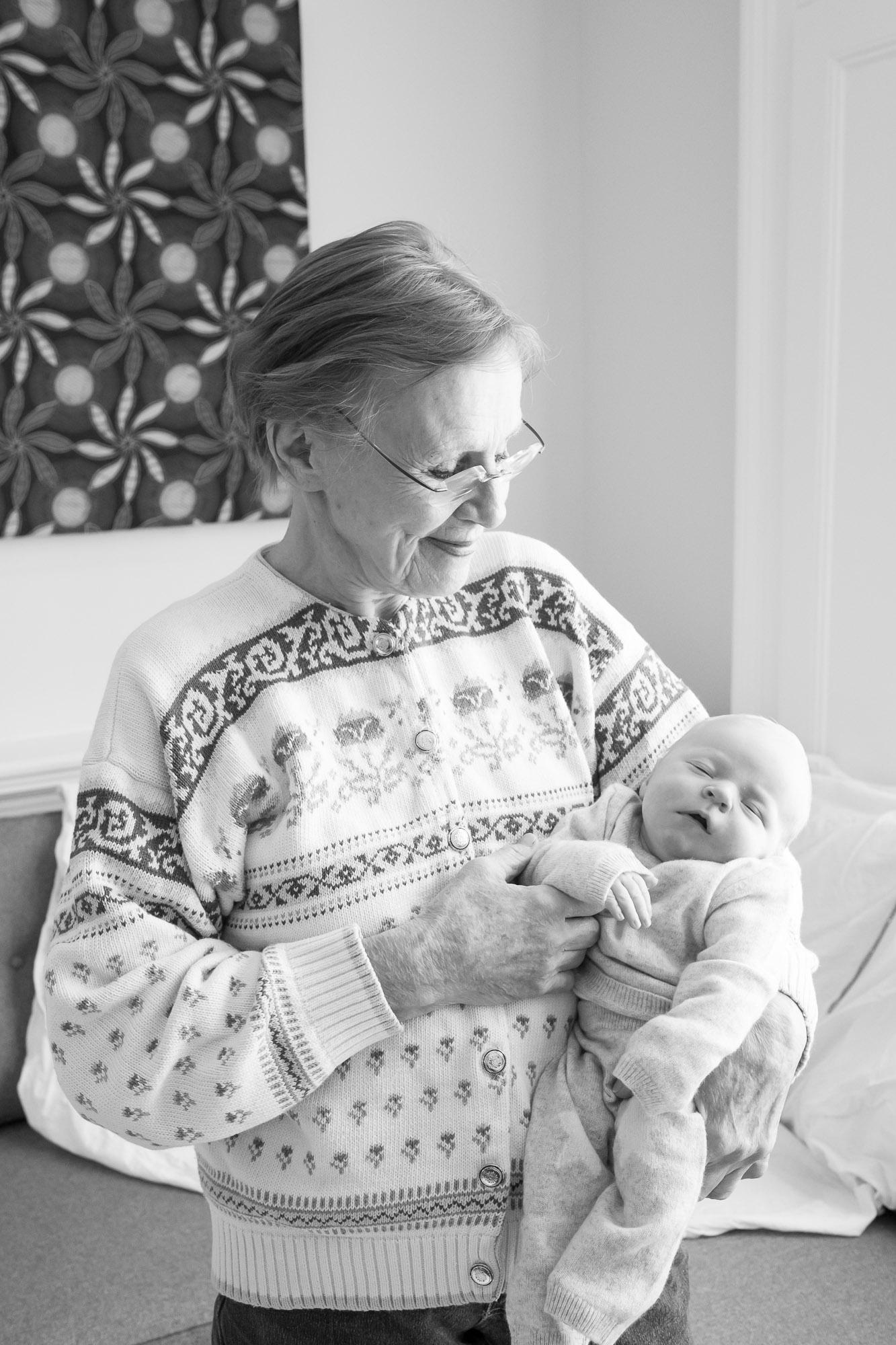newborn-baby-family-portrait-photographer-100.jpg