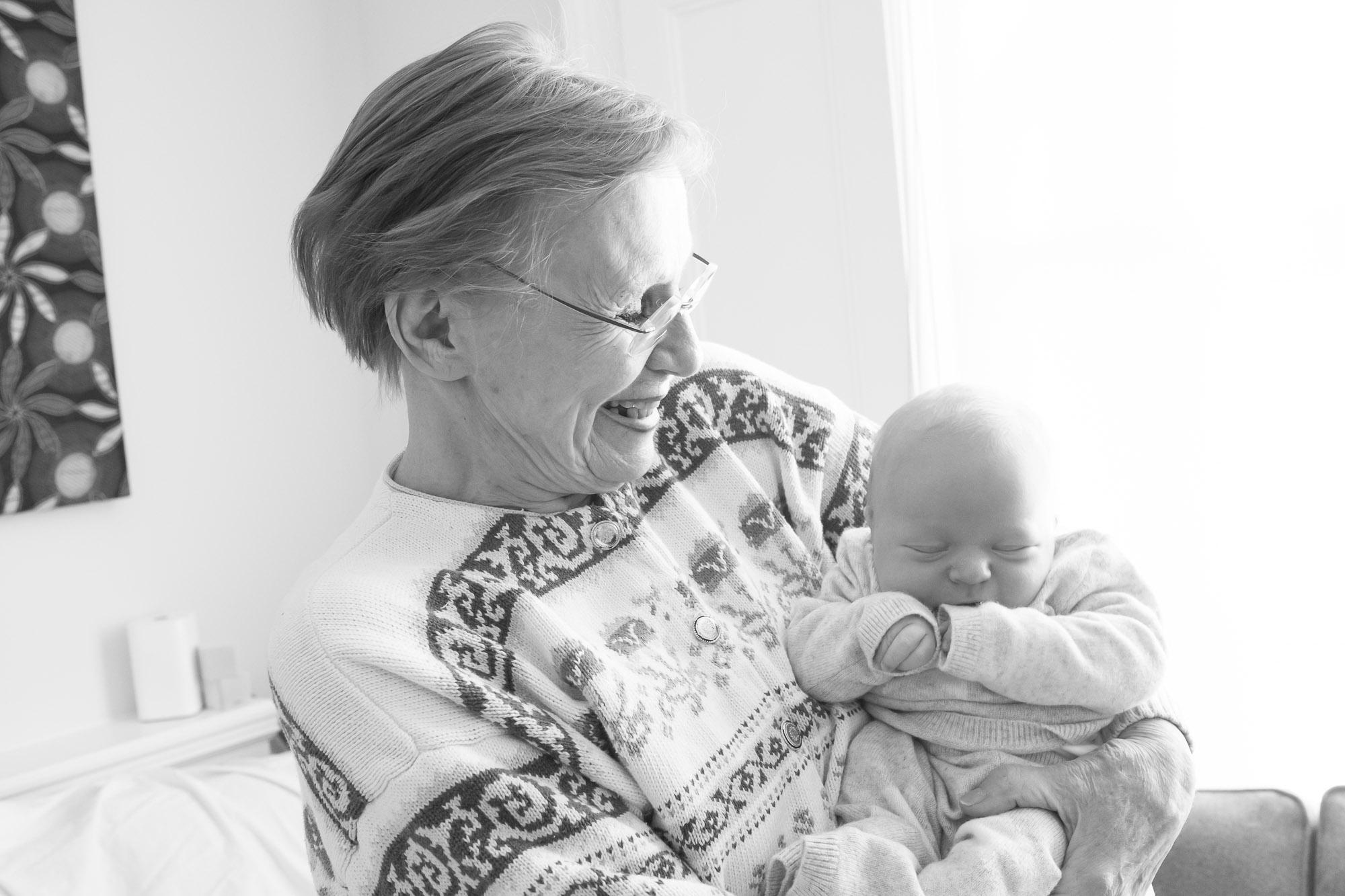 newborn-baby-family-portrait-photographer-106.jpg