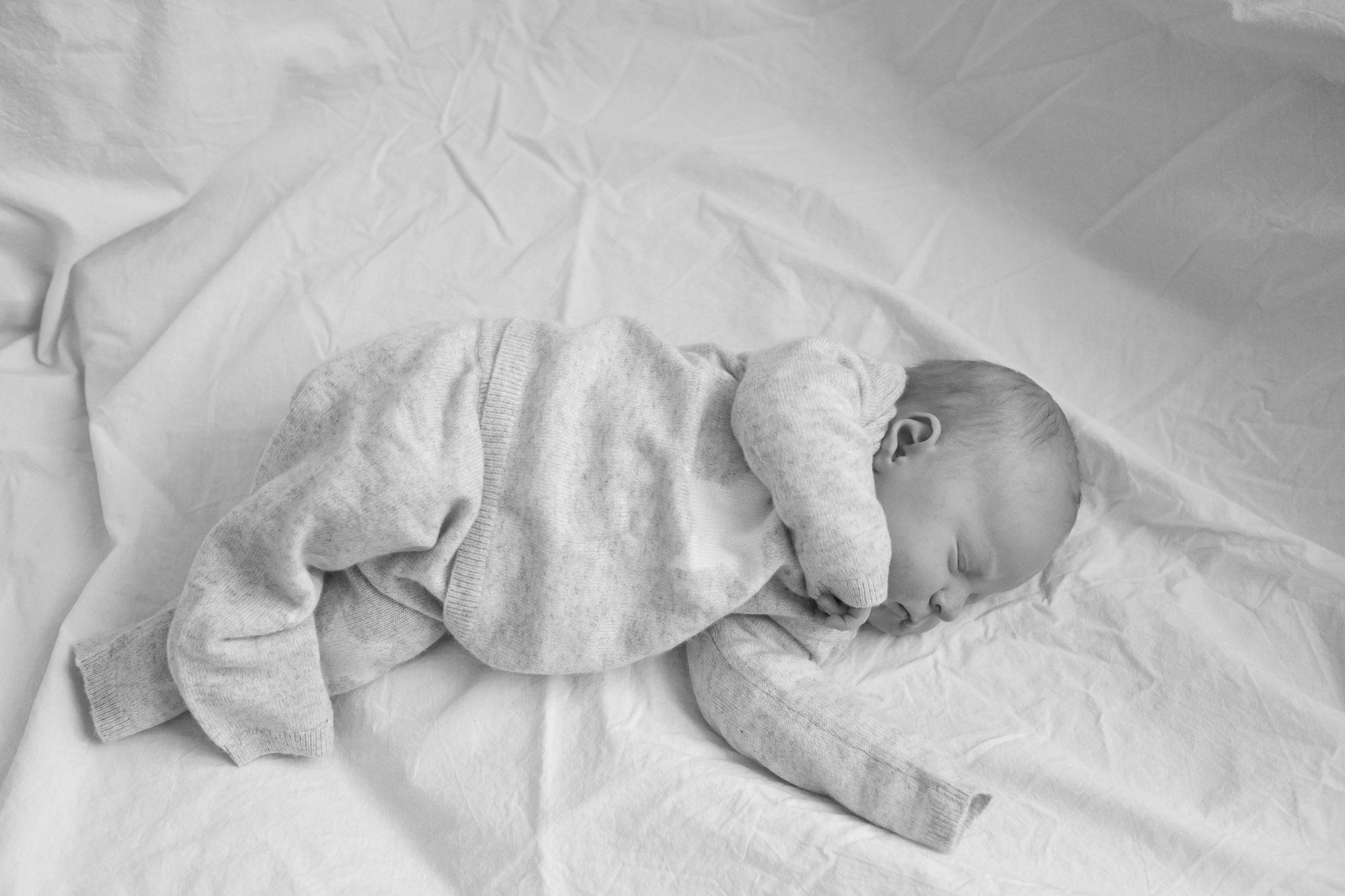 newborn-baby-family-portrait-photographer-149.jpg