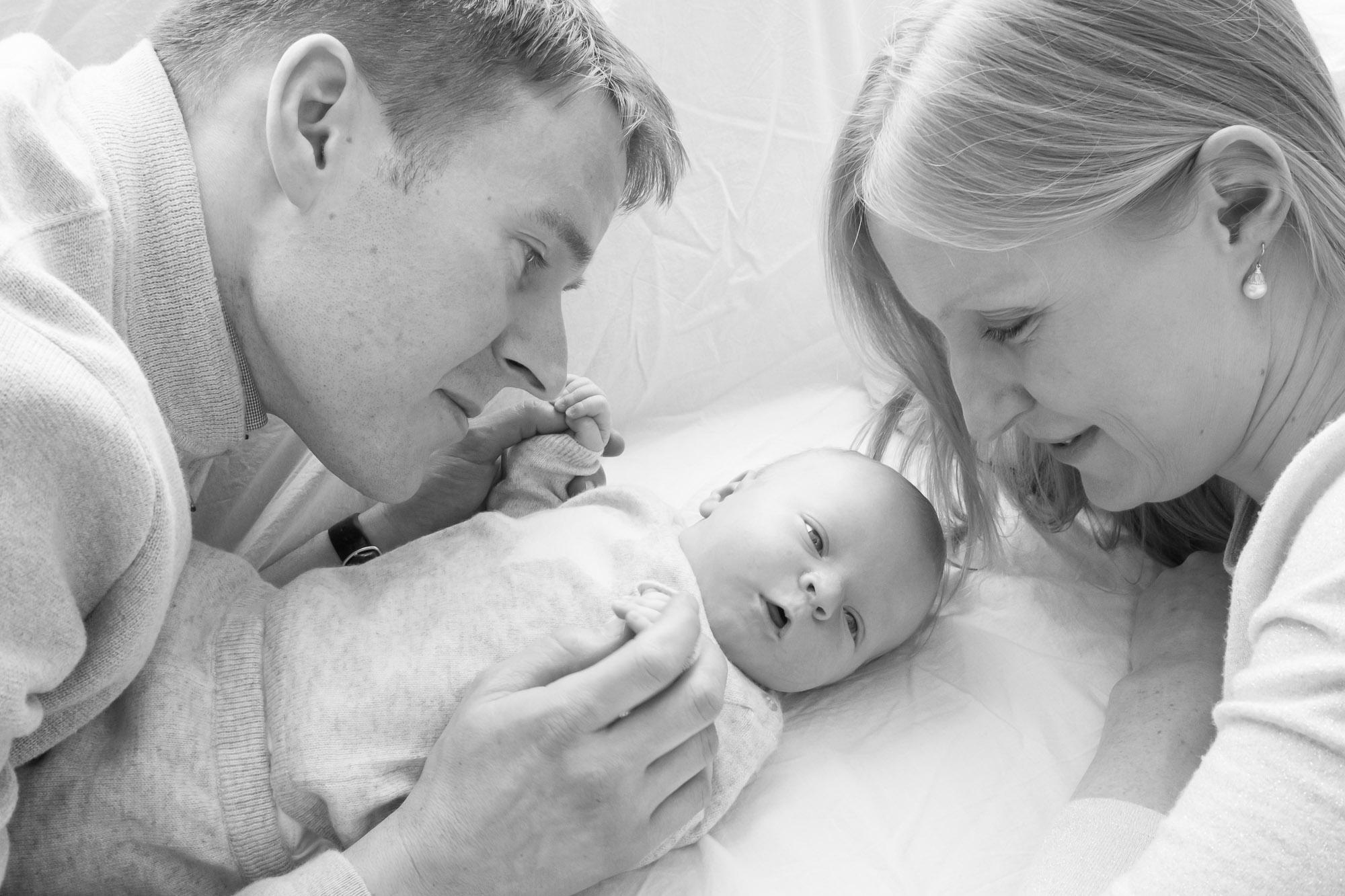 newborn-baby-family-portrait-photographer-192.jpg