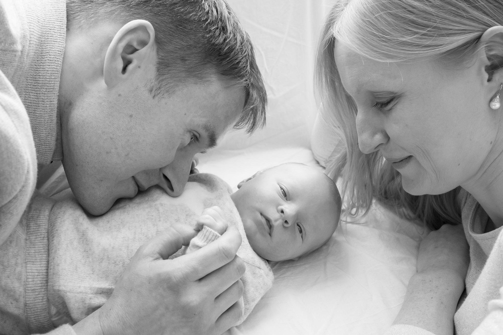 newborn-baby-family-portrait-photographer-194.jpg