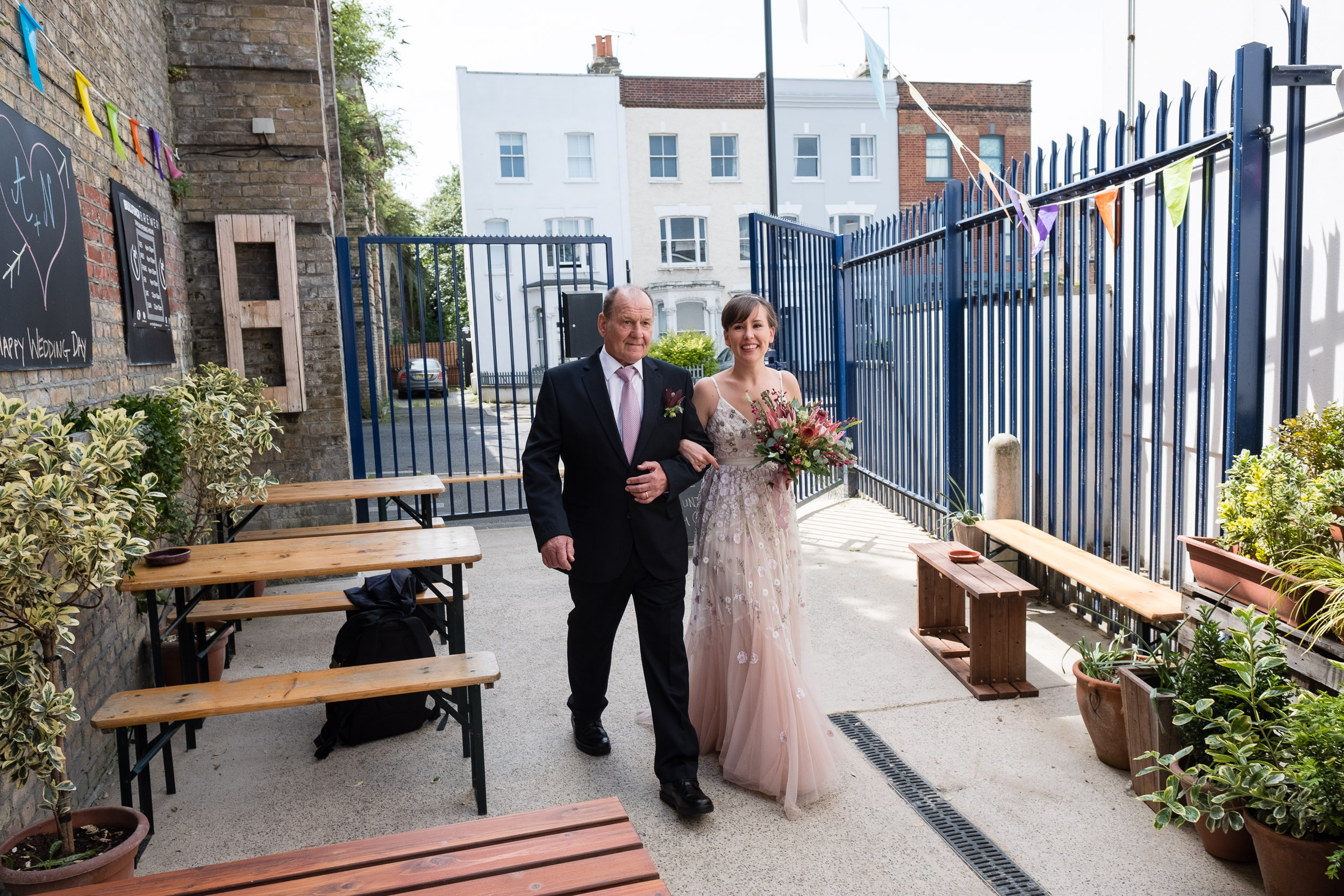 brockwell-lido-brixton-herne-hill-wedding-040.jpg
