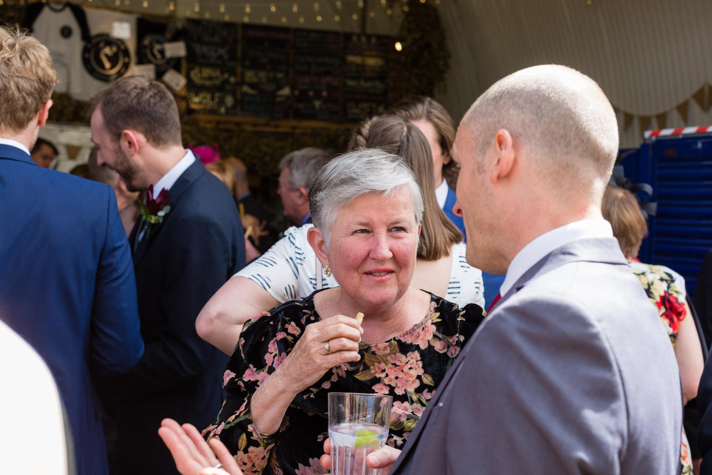 brockwell-lido-brixton-herne-hill-wedding-072.jpg