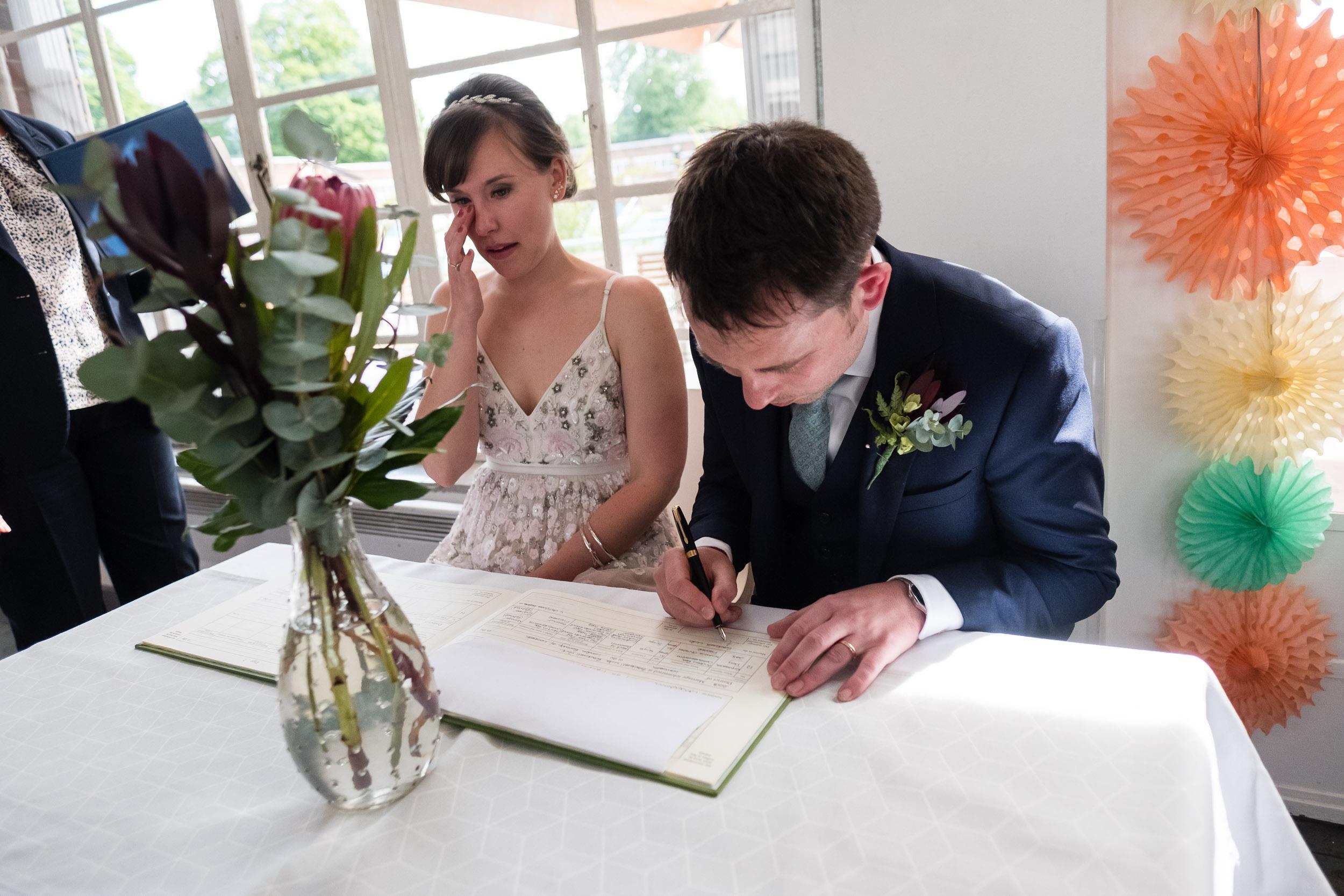 brockwell-lido-brixton-herne-hill-wedding-192.jpg