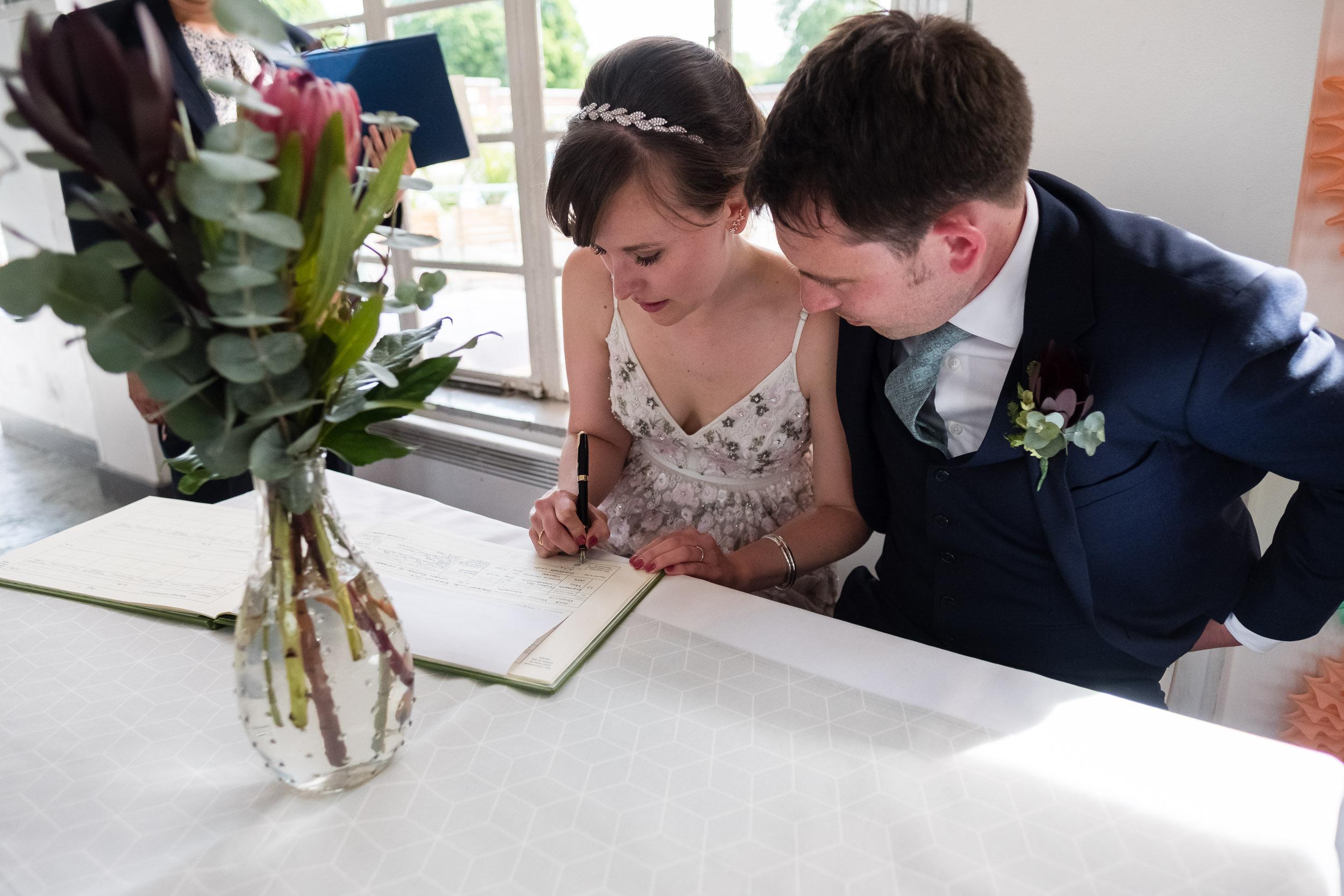 brockwell-lido-brixton-herne-hill-wedding-193.jpg