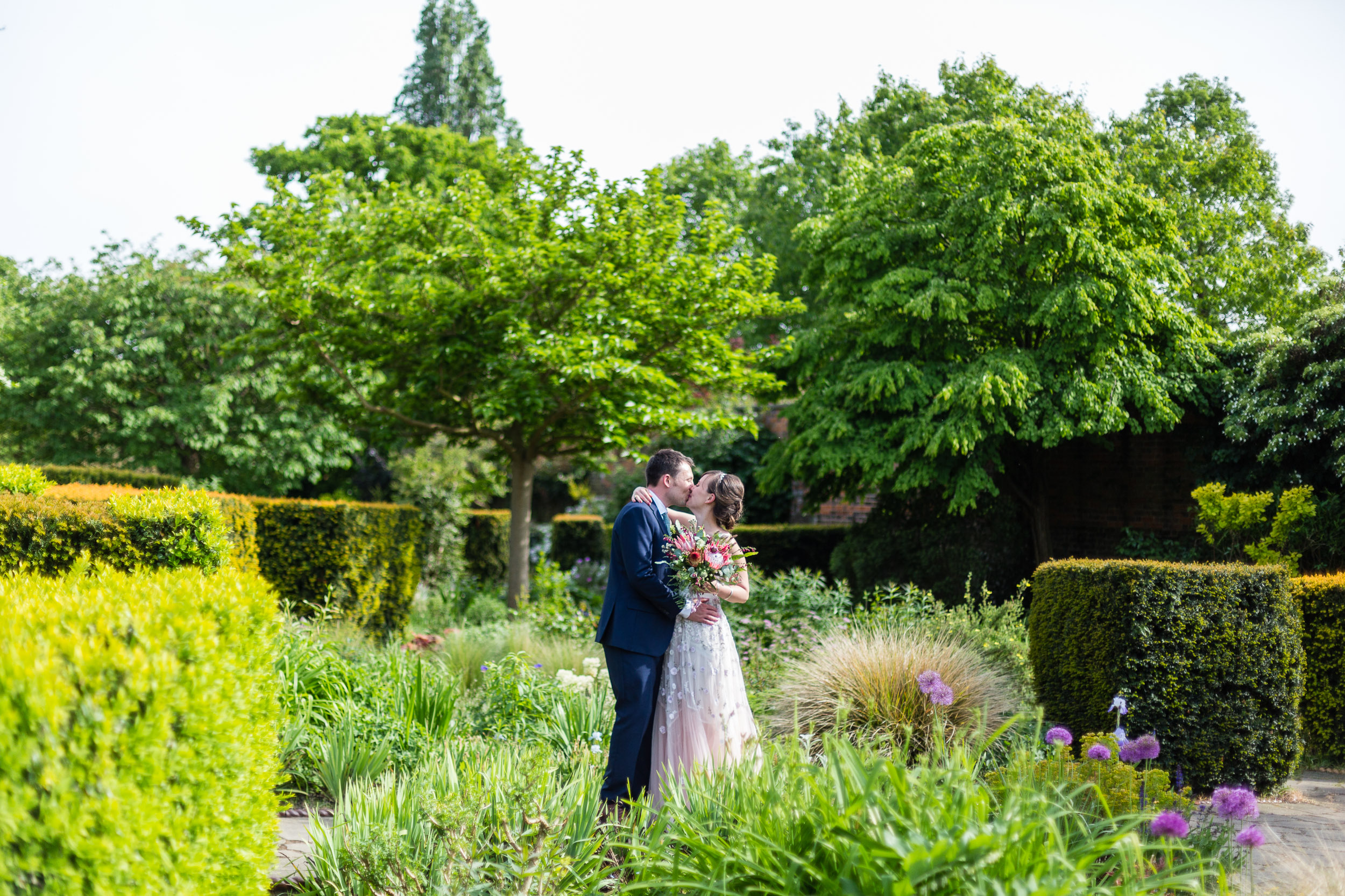 brockwell-lido-brixton-herne-hill-wedding-275.jpg