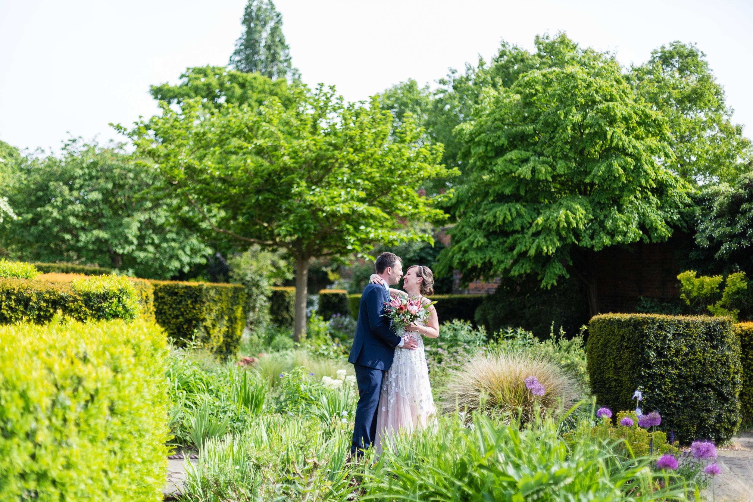 brockwell-lido-brixton-herne-hill-wedding-276.jpg