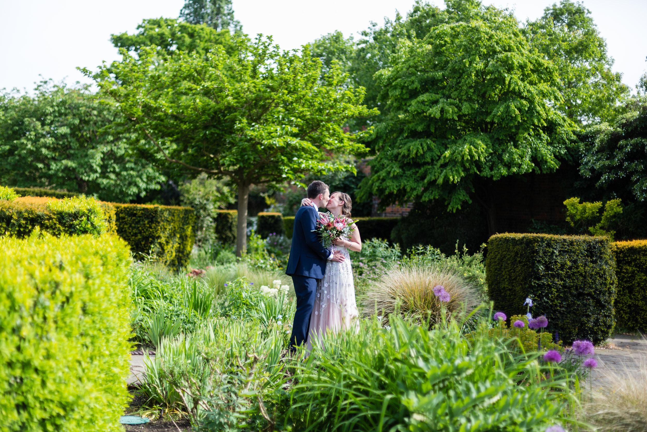 brockwell-lido-brixton-herne-hill-wedding-279.jpg