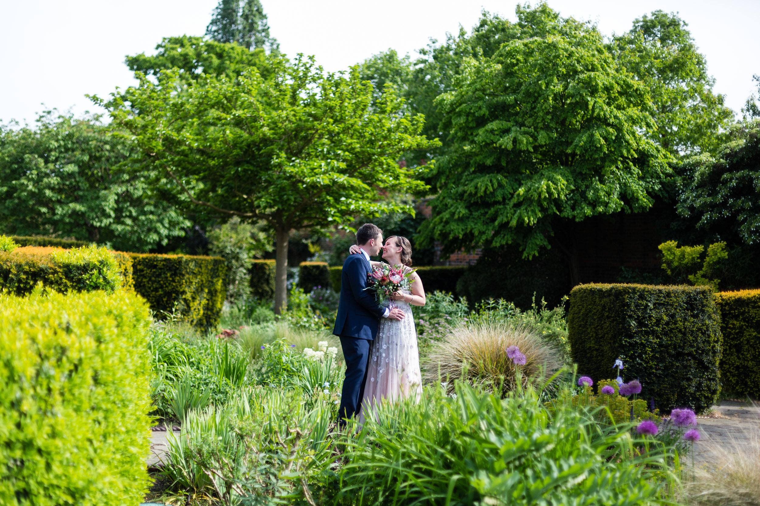 brockwell-lido-brixton-herne-hill-wedding-280.jpg