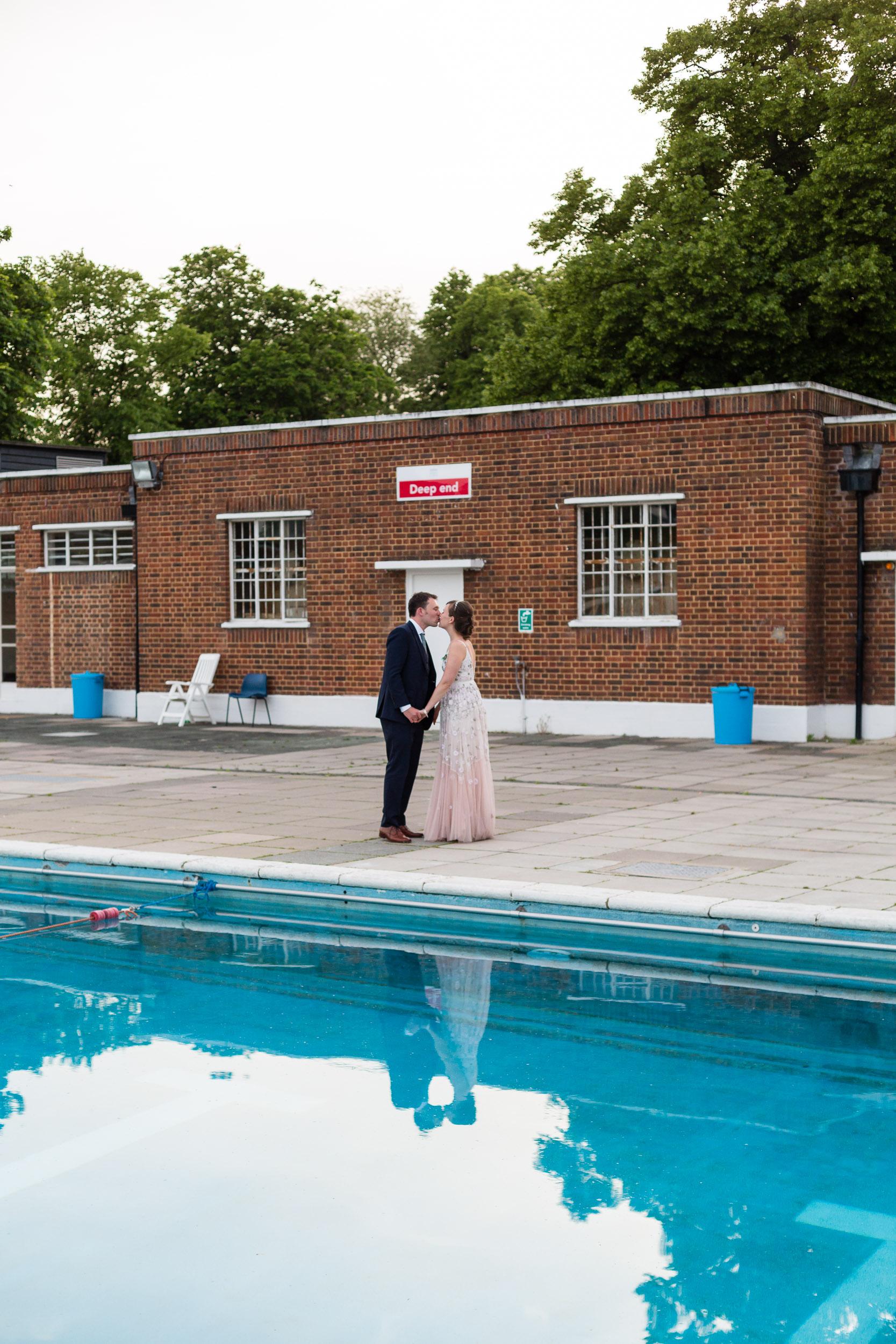 brockwell-lido-brixton-herne-hill-wedding-378.jpg