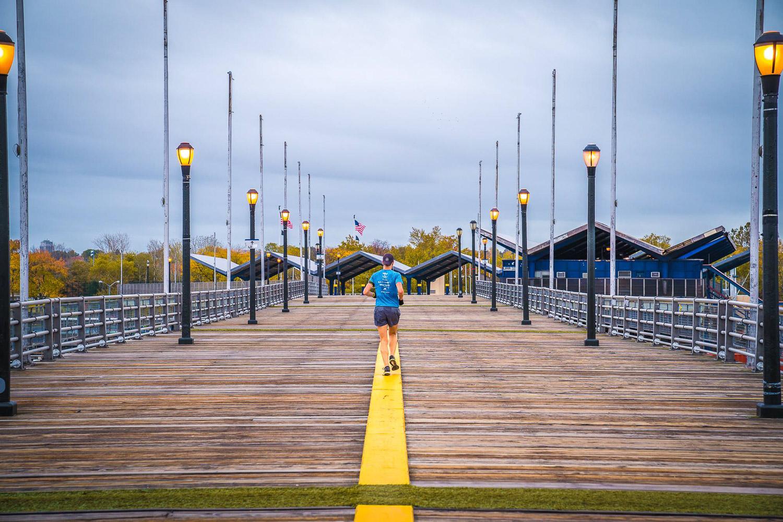 <strong>#2:</strong> Passerelle Pedestrian Bridge