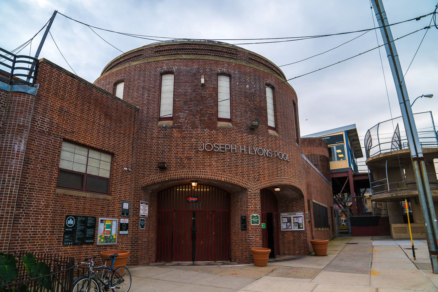 <strong>#13:</strong> Tompkinsville Play Center/Lyons Pool