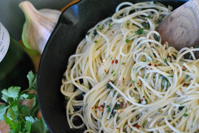 spaghetti-aglio-olio-4.jpg