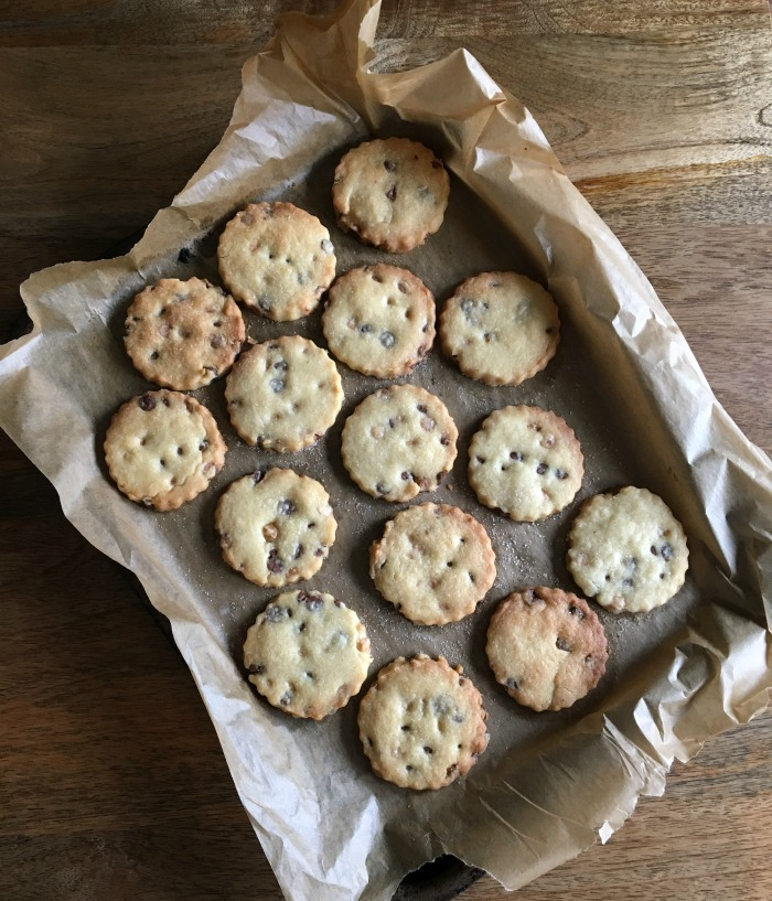chocolate-chip-shortbread.jpg