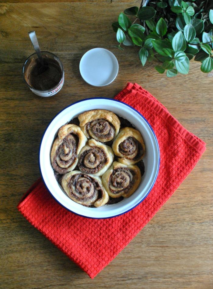 20-Minute Nutella & Cinnamon Rolls // Amy Elizabeth