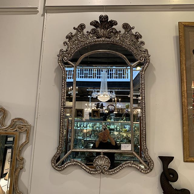 Large Mid-Century Silver Gilt Venetian Style Mirror FIND YOUR TREASURE#atouchofthepastantiques #atop #lambertvillenj#antiquecapitalofnewjersey #hunterdoncounty#rivertown #antiques #antiquestore #forsale#midcentury #decoratorfinds #interiors #interiordesign#midcenturymodern #italiandesign #italianmidcentury#modernglass #moderndesign #studiofurniture#modernism #modernart #homedecor#homedecoration #decorators #interiors #design#instaliving #interiorinspiration #instadecor#luxurydecor #philadelphiadesign