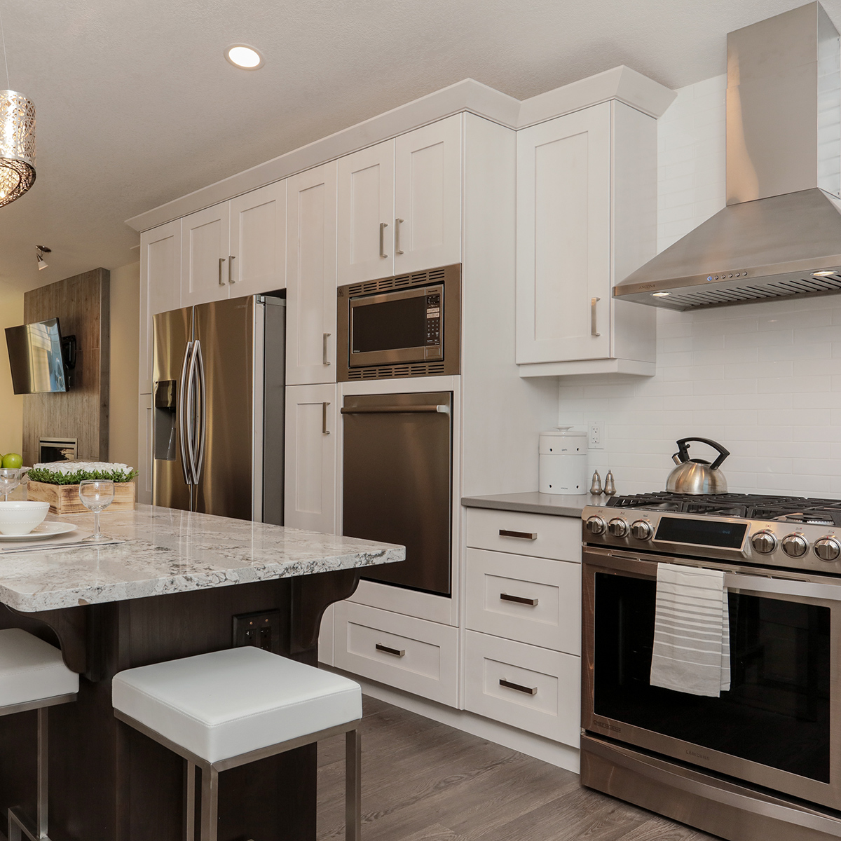 _highres_white kitchen2.jpg