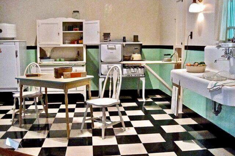 Art Deco inspired 1920's kitchen