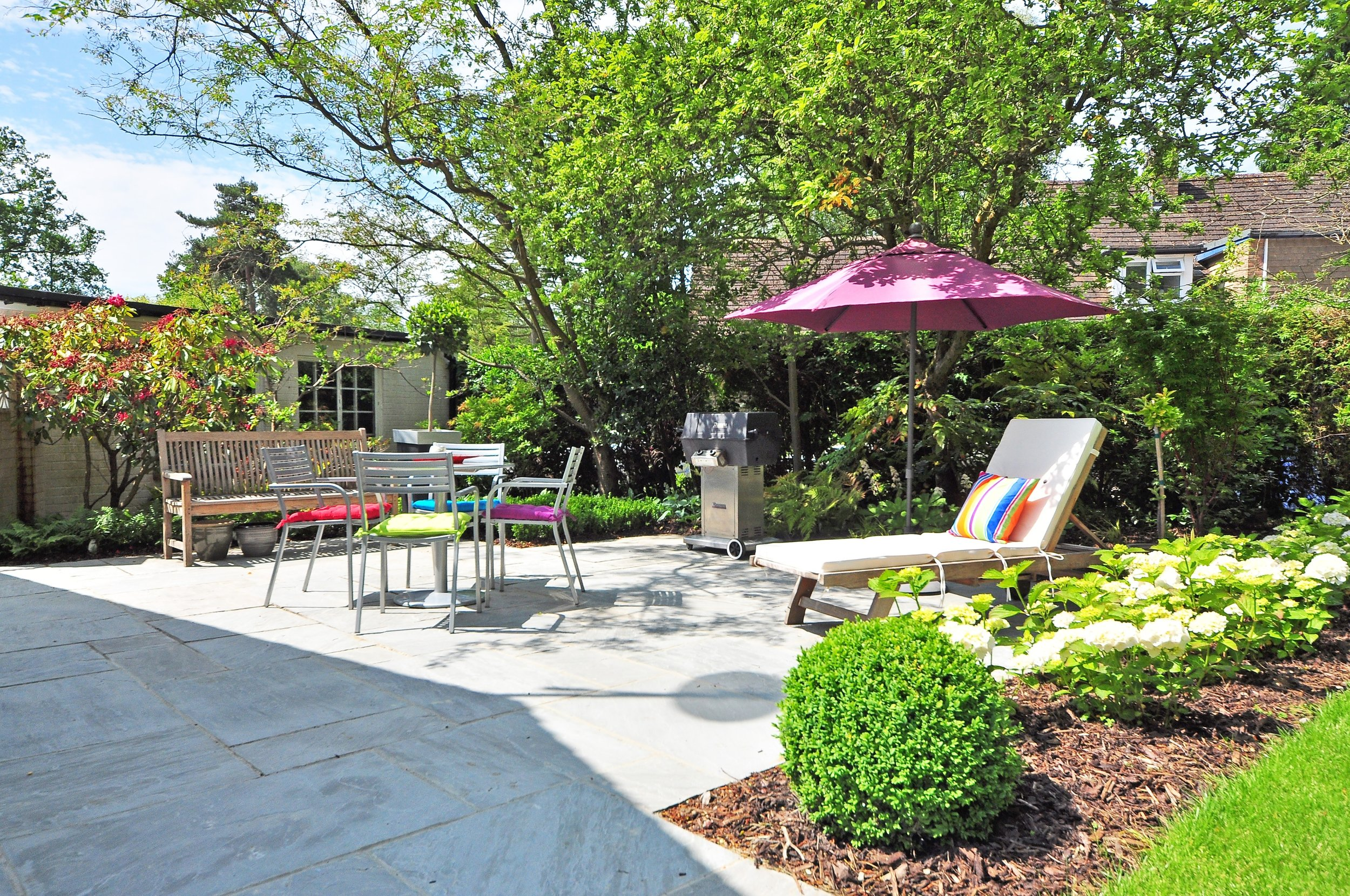 backyard-bench-daylight-210531.jpg