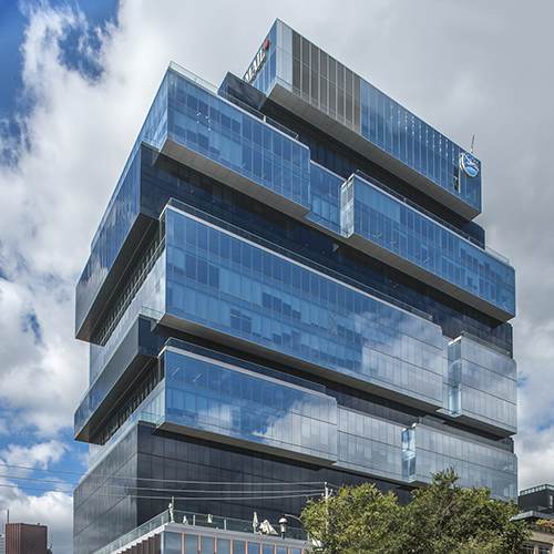 GLOBE AND MAIL BUILDING - 351 King St. East, Downtown, TorontoKey Features:Floor to ceiling windows, Energy Efficient HVAC System, Raised Access Floor System, and High Efficiency Floor PlatesIncluded Amenities:Tenant Fitness Facility, Restaurants, Cafe's, Bars, and Parks