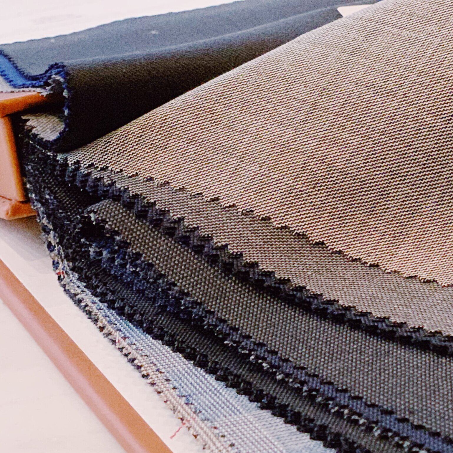 - 1>choose your fabrics+ core design features