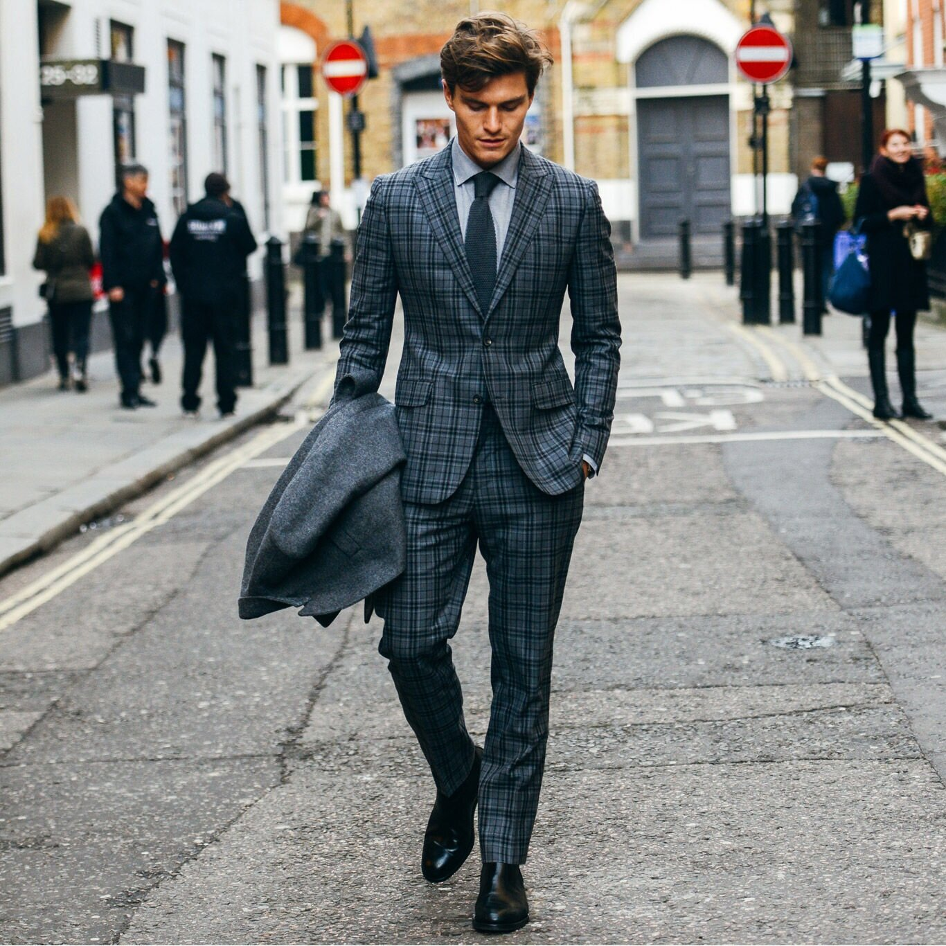 152231-Tommy-Ton-In-London-Street-Style-At-2015-Fall-Menswear-Shows-.jpg